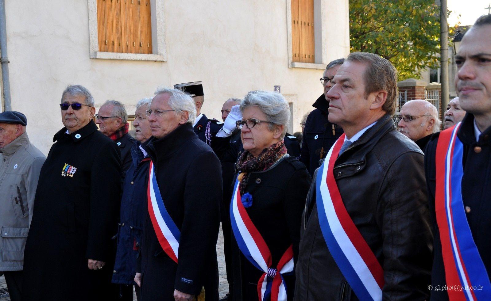 Photos de la cérémonie du 11 Novembre à Cergy