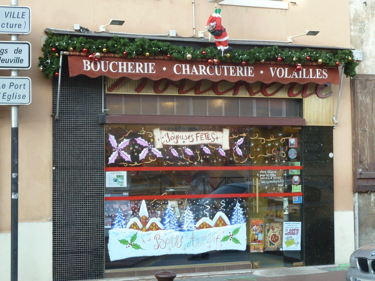 Vitrines de Noël des commerçants de Cergy Village