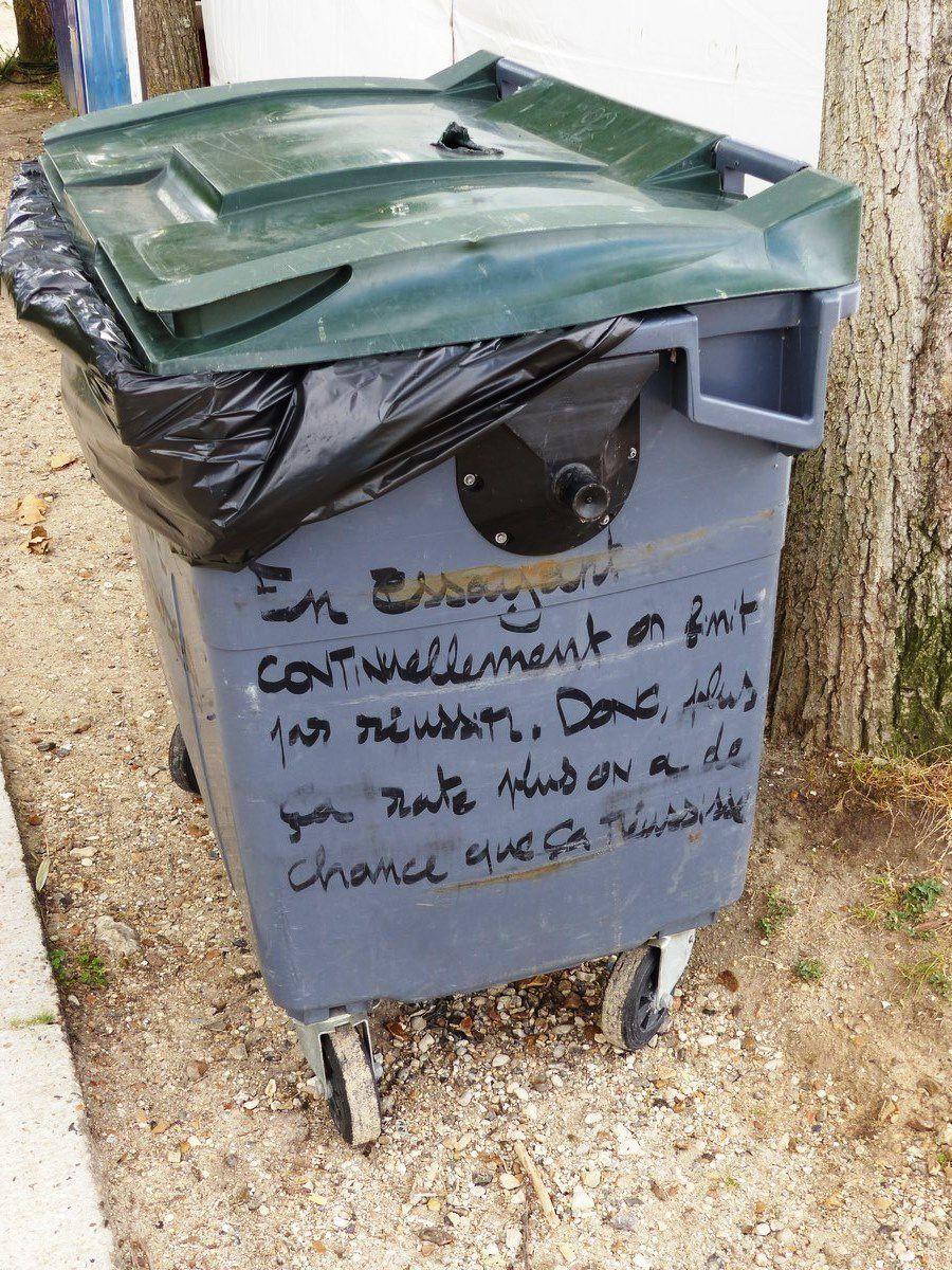 Philosophie de poubelle à Cergy