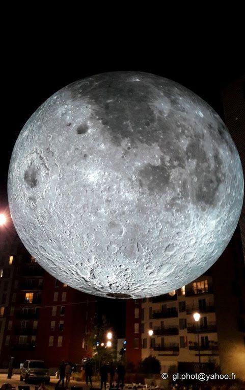 Museum of the Moon - Luke Jerram - Cergy - Parvis de la Nouvelle Scene Nationale ( Théatre 95 )
