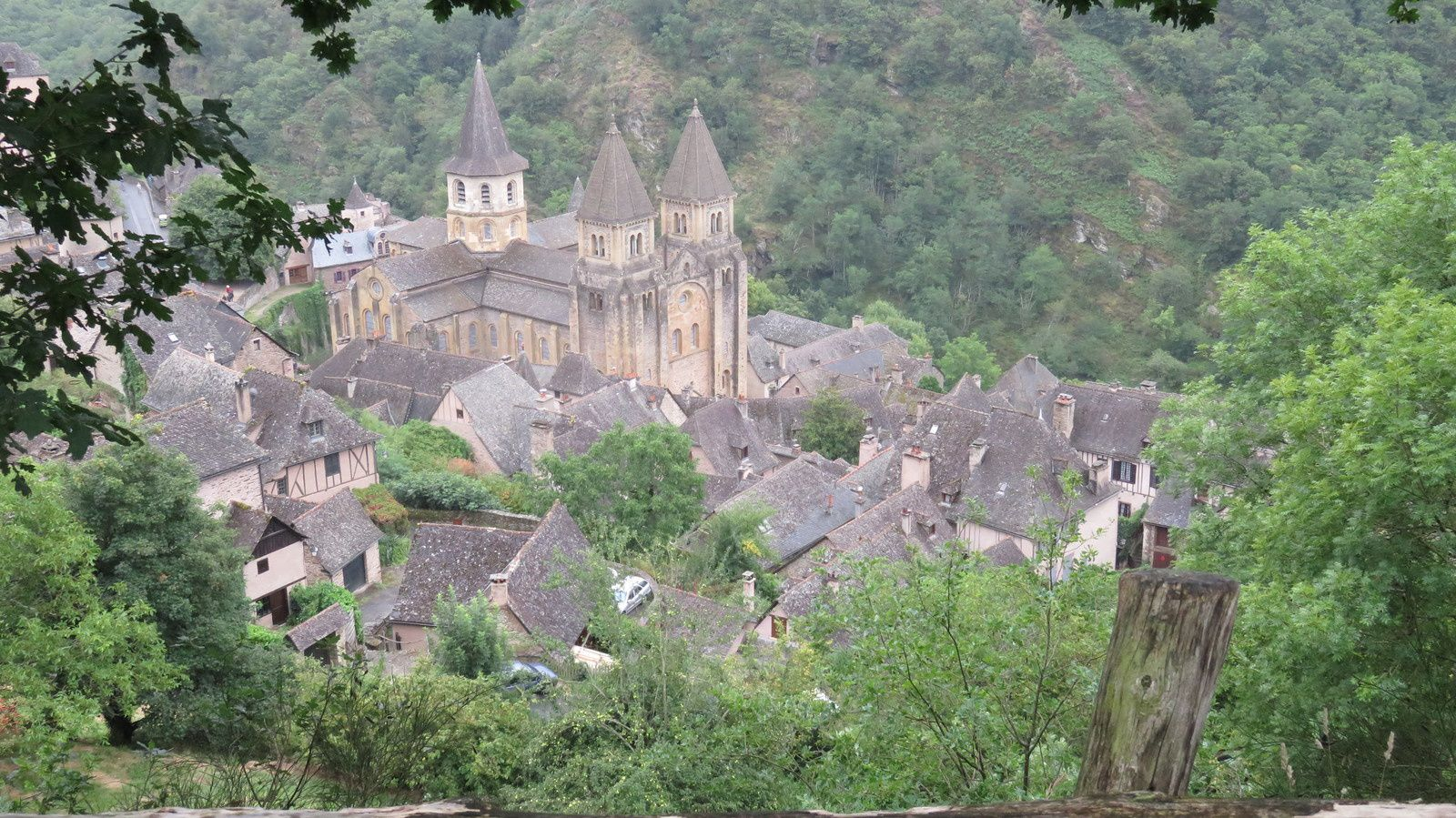 CONQUES ET SA CATHEDRALE