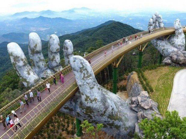 VIETNAM / UN PONT EXTRAORDINAIRE / TOURISME / CULTURE