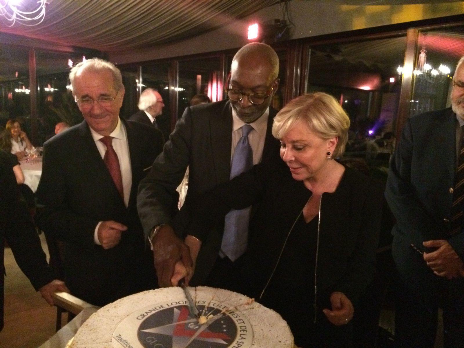 Marcel Laurent (GLCS) avec Jean-Marie Doumbé (GLDF) et Régina Toutin (GLFF).