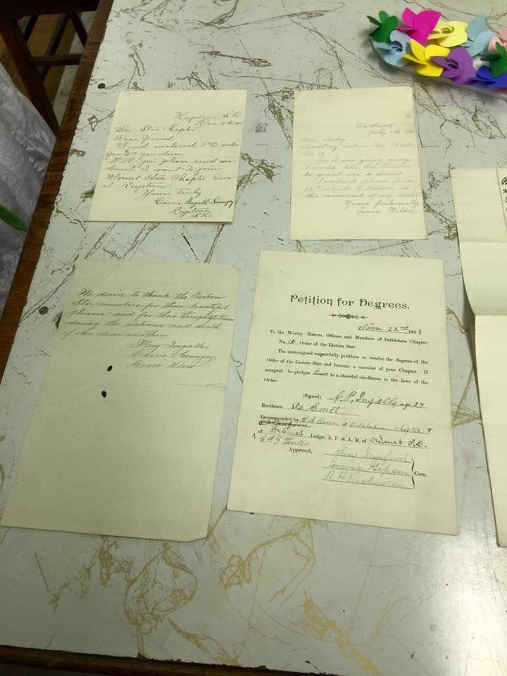 La lettre de recommandation de Charles Ingalls pour ses trois filles (et leurs lettres de demande d'adhésion) au sein de l'Eastern Star Order