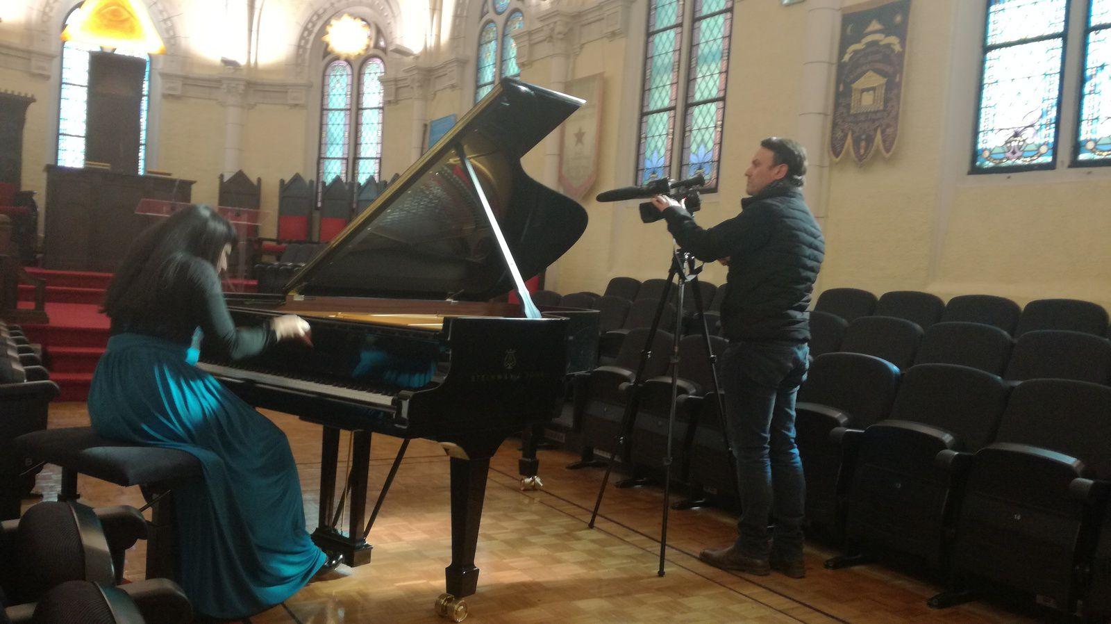 Triomphe pour la pianiste virtuose Shani Diluka à la Grande Loge de France ce samedi 24 février 2018