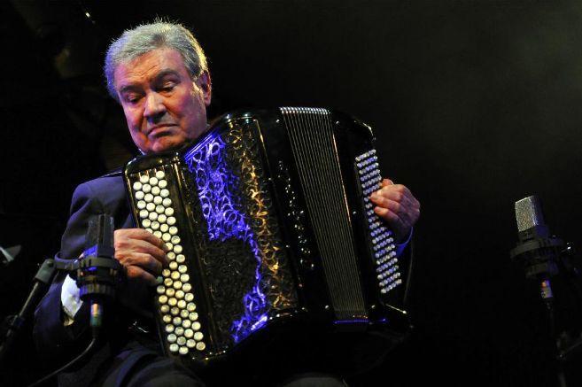 Marcel Azzola est mort.