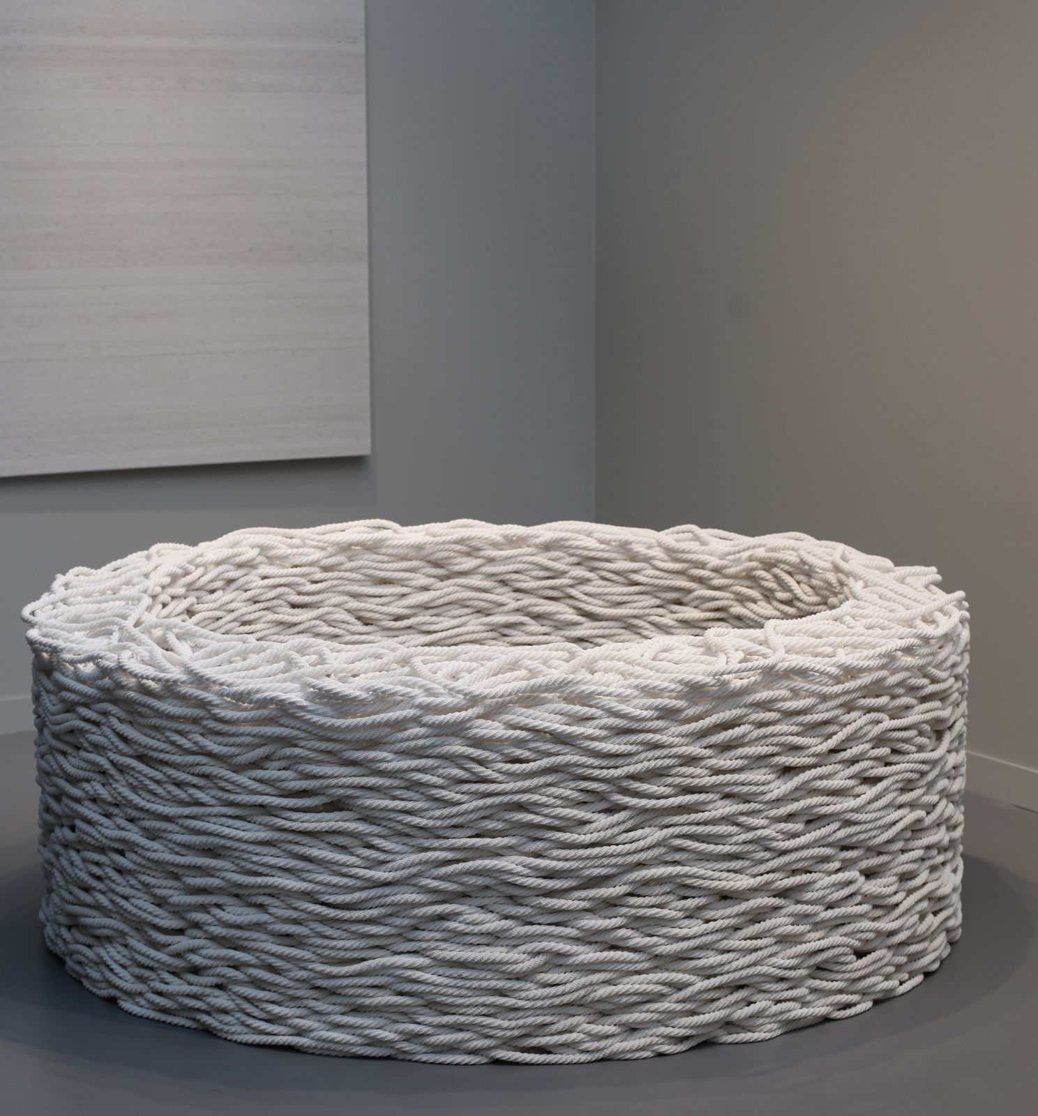 """Continuous Mile (White)"", 2006-2008 de Liza LOU - Courtesy Lehmann Maupin © Photo Éric Simon"