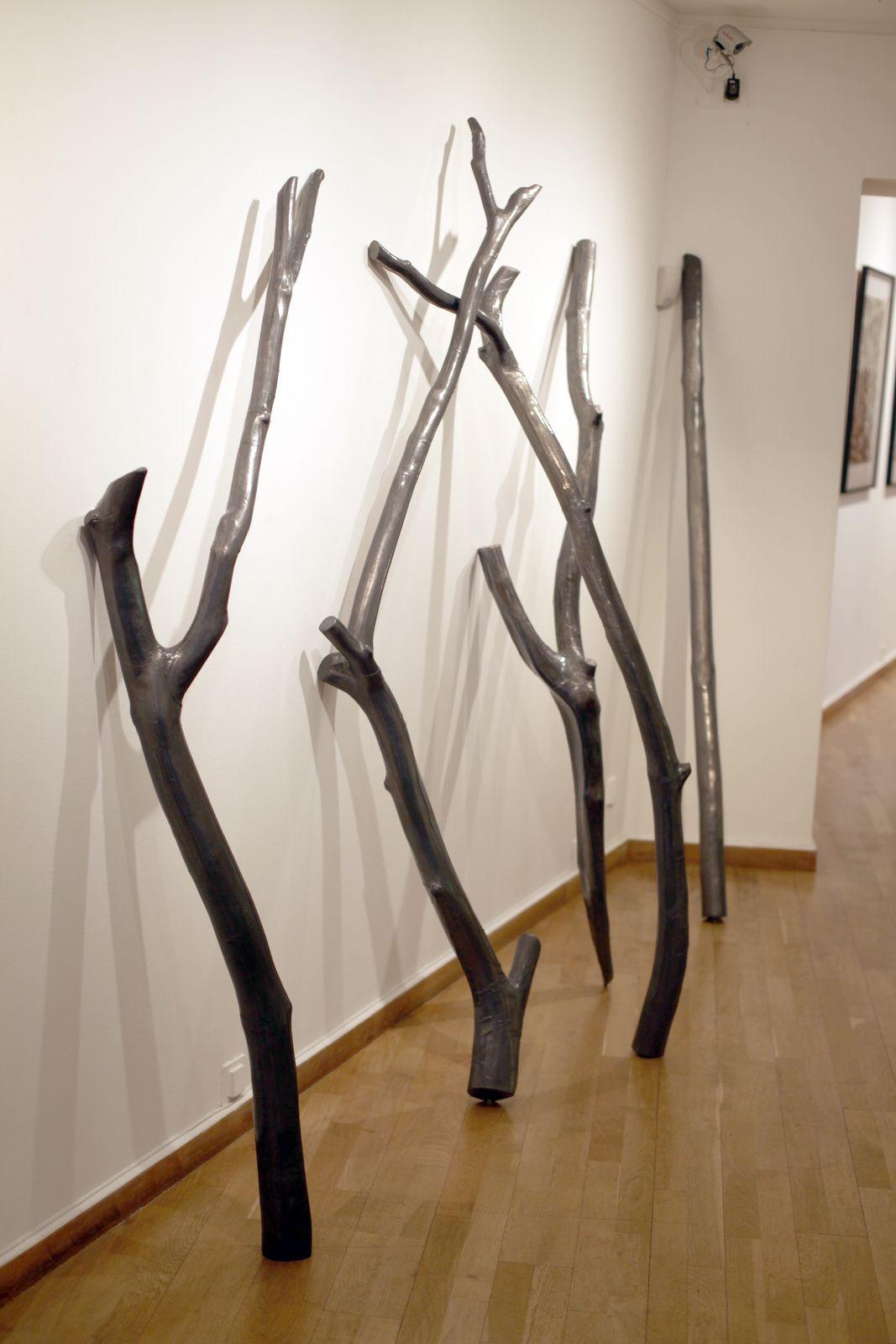 """Installation """"Bois mort"""", 2015 de David DÉCAMP - Courtesy Galerie la Forest Divonne  © Photo Éric Simon"""