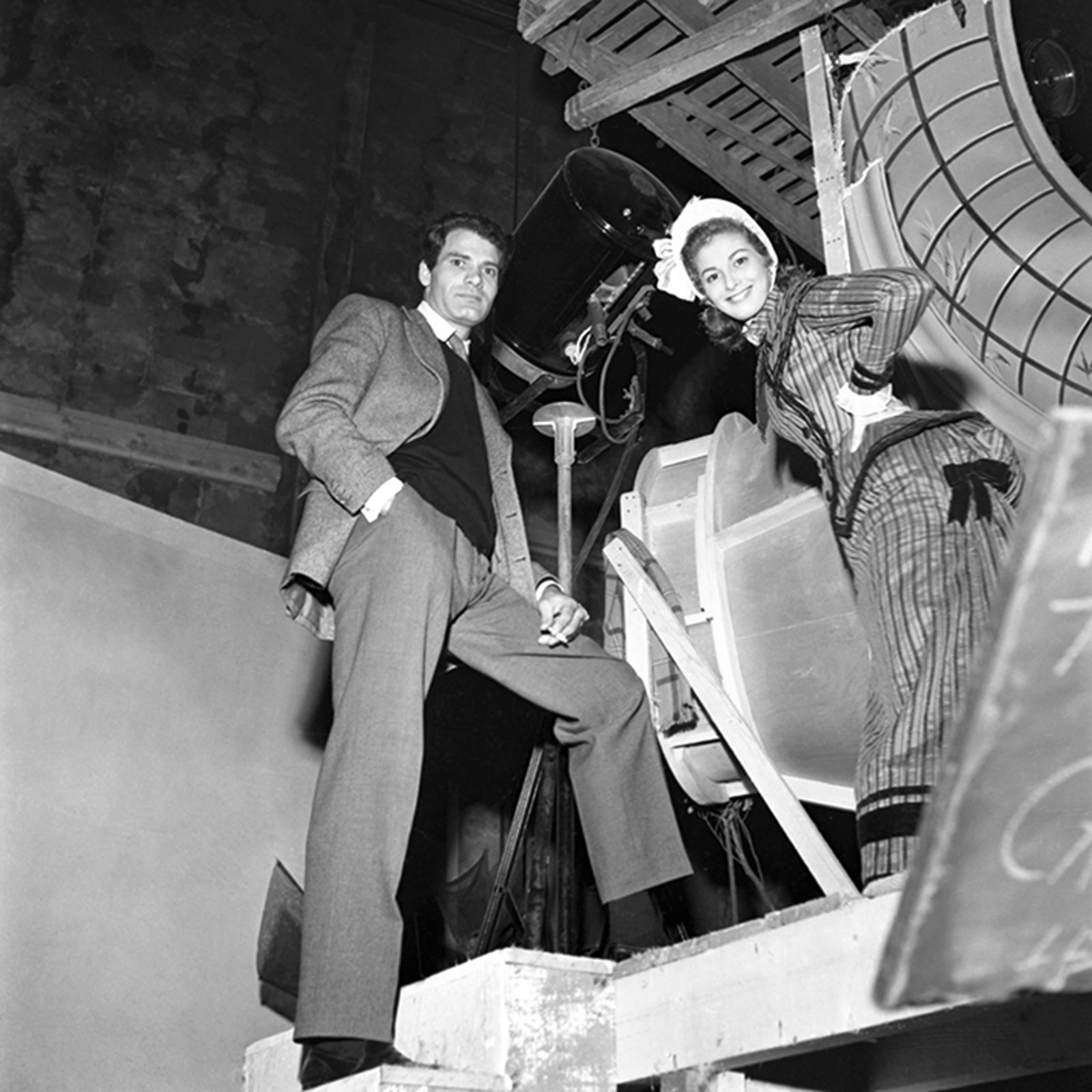 Anna-Maria PIER-ANGELi sur le tournage du Film 'Mam'zelle Nitouche' de Yves Allegret. 1954 - Courtesy Studio Willy RIZZO