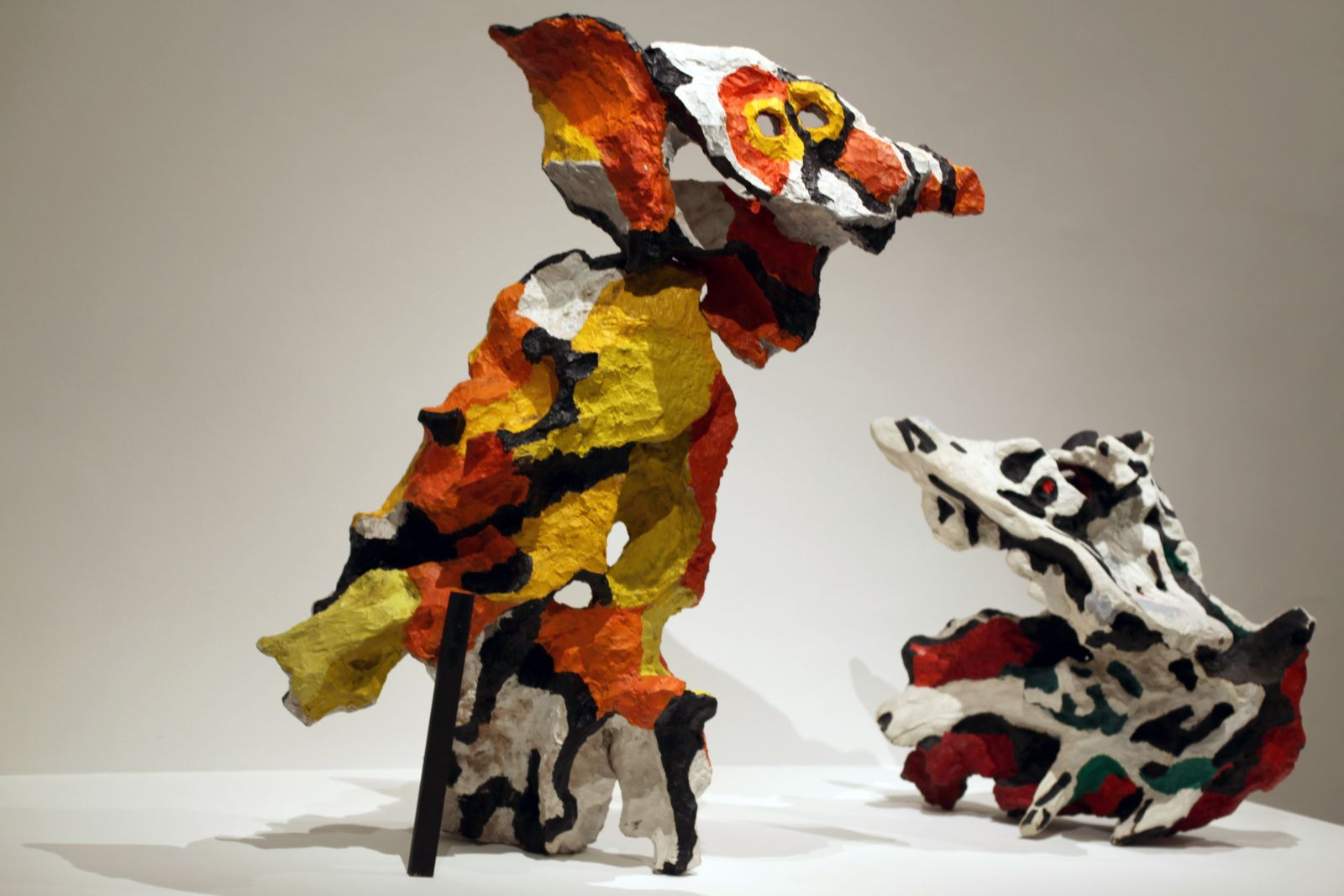 """L'homme hibou N°1"", 1960 et ""Le Cri n°°1"", 1960  de Karel APPEL - Courtesy MAM © Photo Éric Simon"