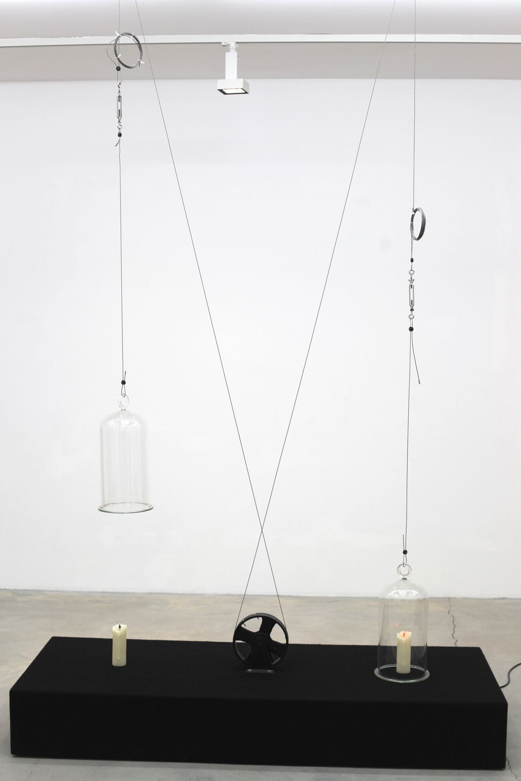 """id-od 12"", 2015 Sculpture Interactive de Sunil GAWDE - Courtesy Galerie Rabouan Moussion © Photo Éric Simon"