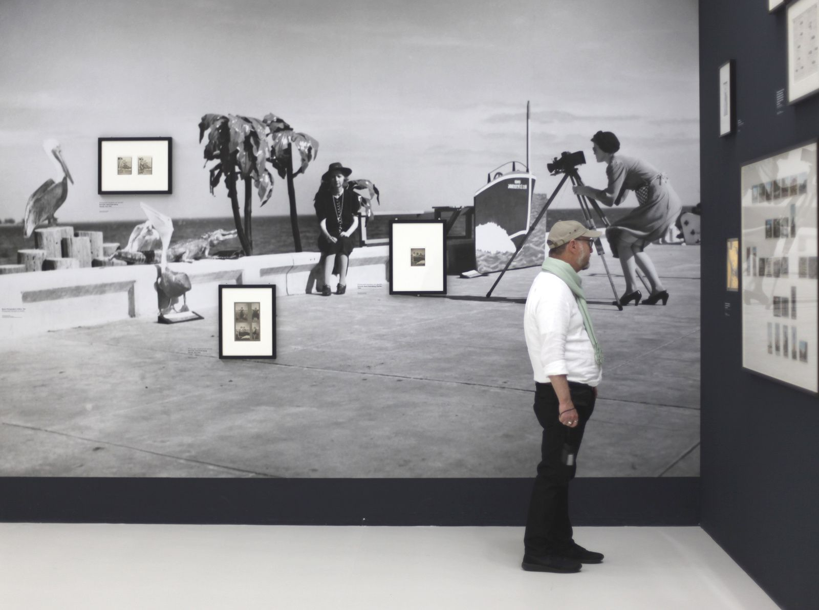 """""""Resort photographer at work"""", 1941 de Walker EVANS - Courtesy The Paul GETTY Museum, L.A. © Photo Éric Simon"""