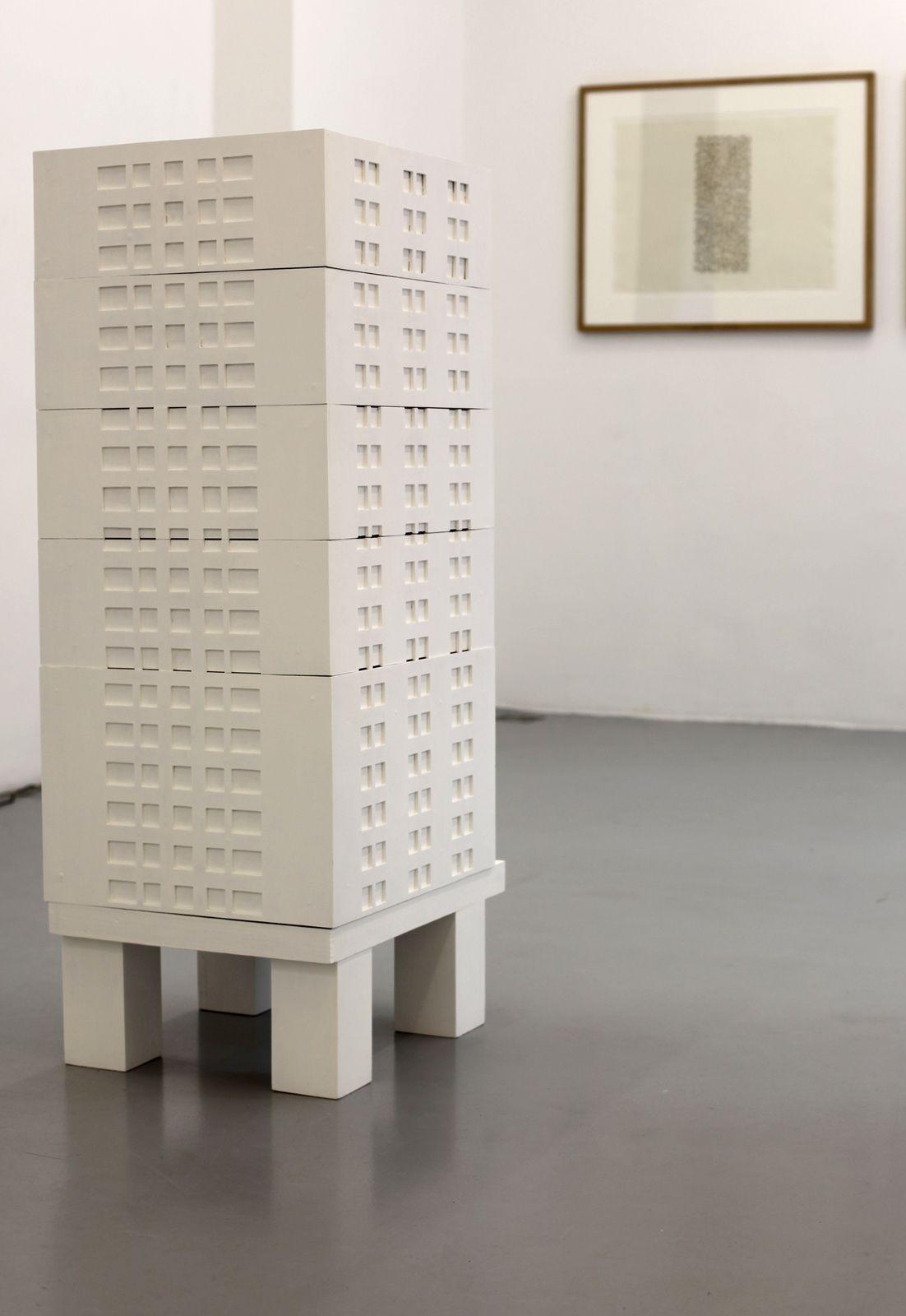 """""""Les Essaims"""",  2015 de Laure TIXIER - Courtesy Galerie Polaris © Photo Éric Simon"""