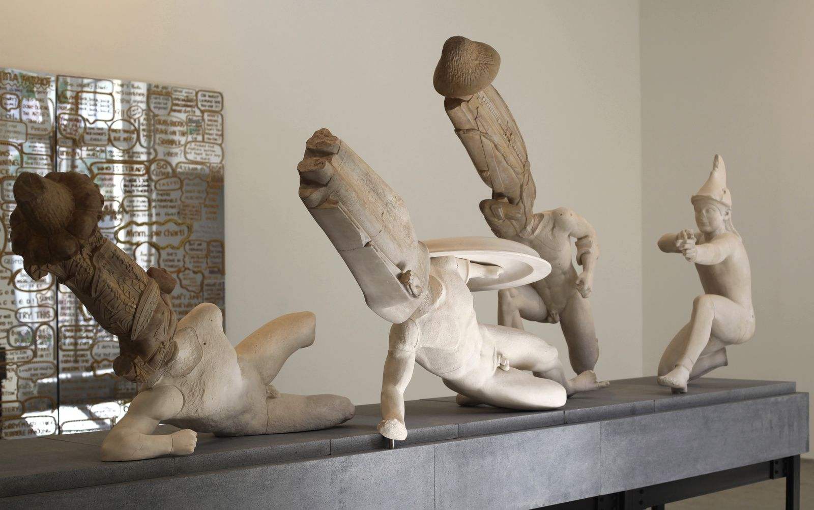 """Eternity-Tang Dynasty Bodhisattva of the hebei province Museum, Northern Qi Losana Buddha temple of the Longxing Temple, Bodhisattva of the Xiude Temple, West Pediment of the Temple of Aphaia"", 2016 de XU Zhen - Courtesy Galerie Perrotin © Photo Éric Simon"