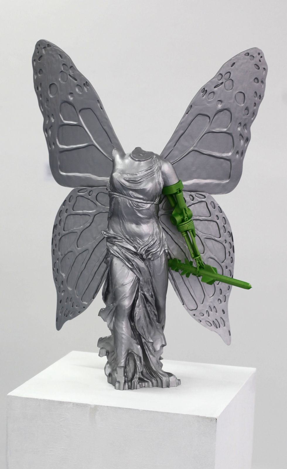 "Sculpture ""Victory"", 2017 de LUDO - Courtesy Gallery Magda Danysz - Paris © Photo Éric Simon"