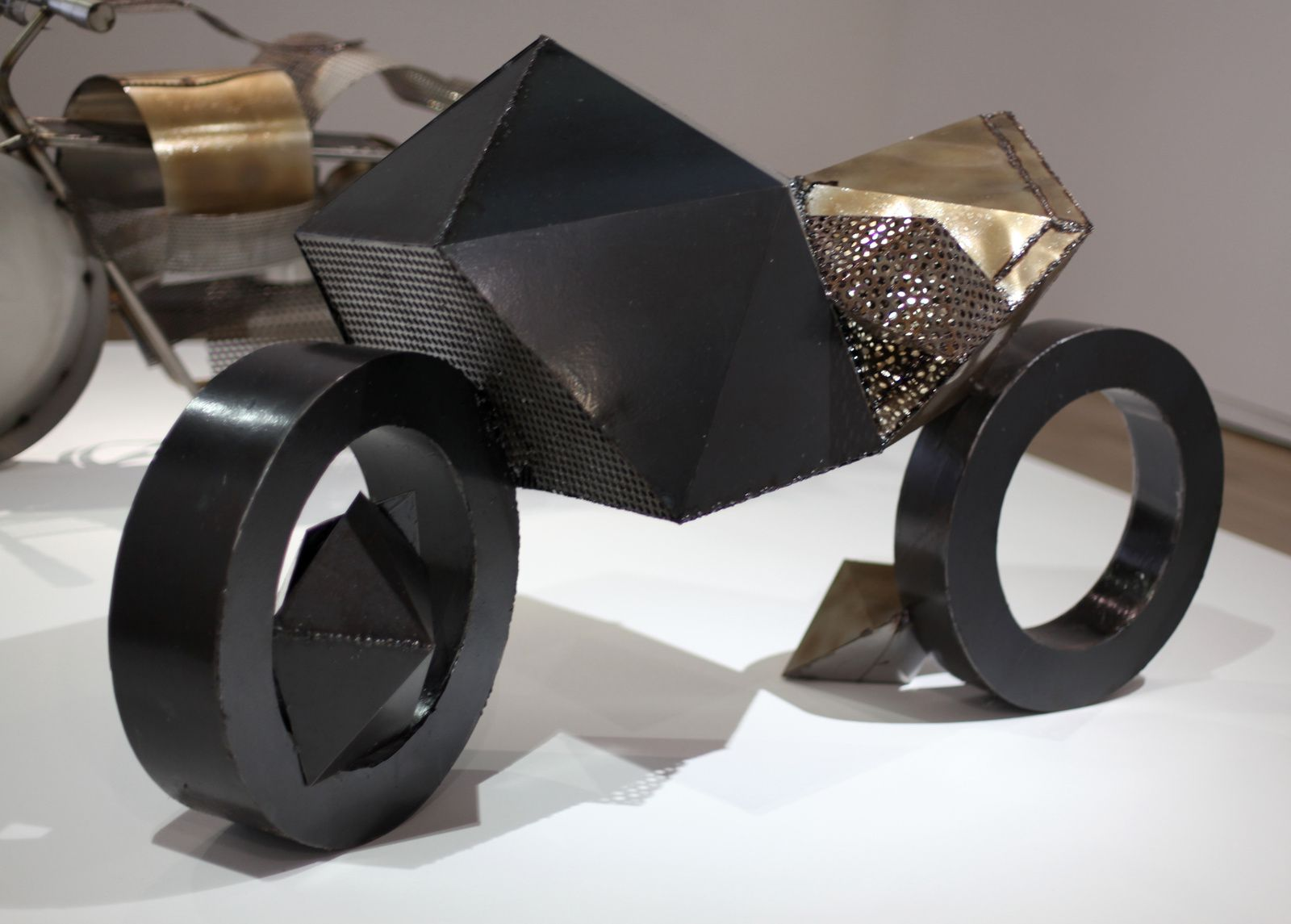 """Moto Diamant"", 2017 de Caroline MESQUITA  © Photo Éric Simon"