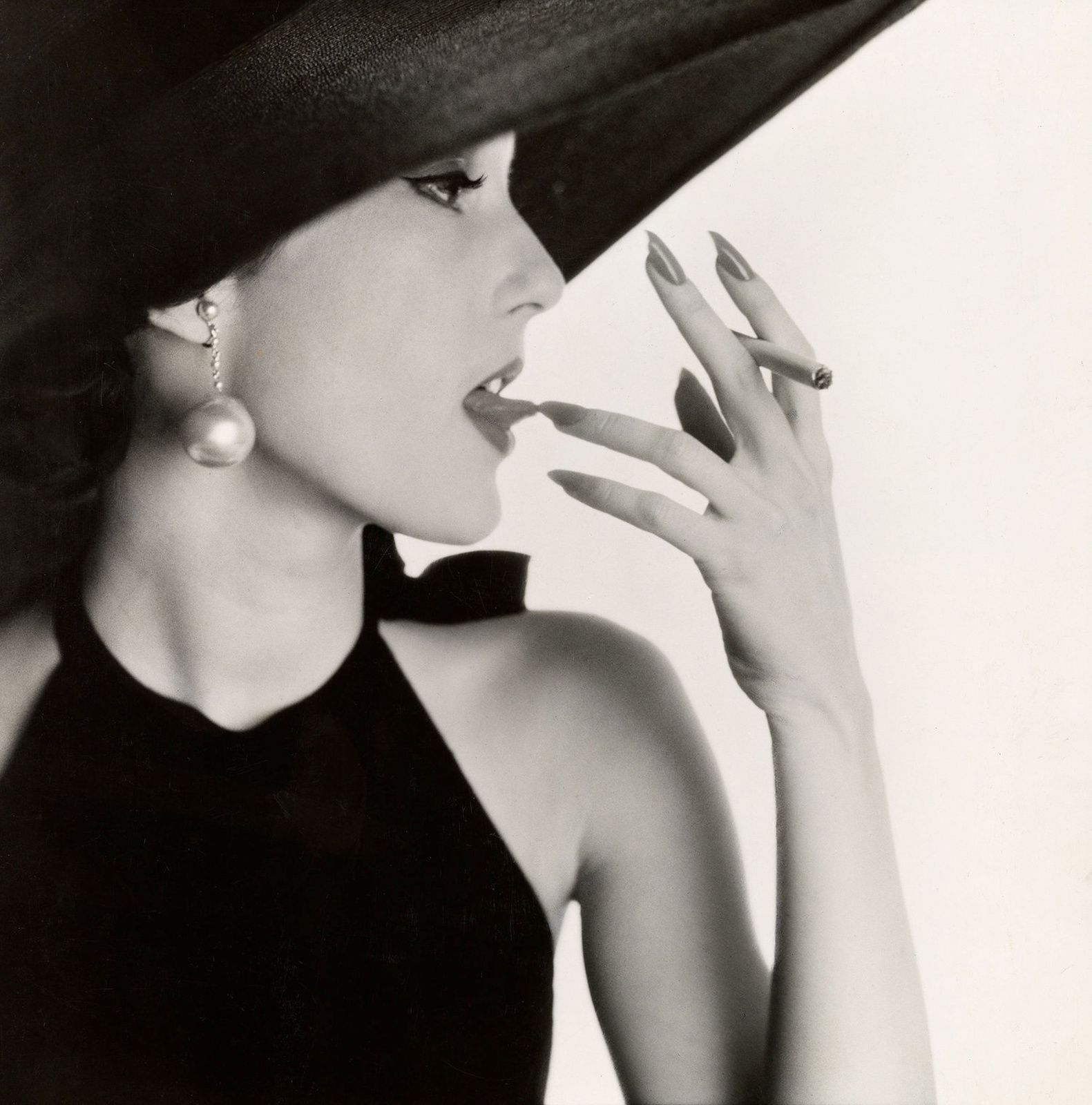 """Girl with Tabacco on Tongue, New York"", 1951 d'Irving PENN - Courtesy The Metropolitan Museum of Art"