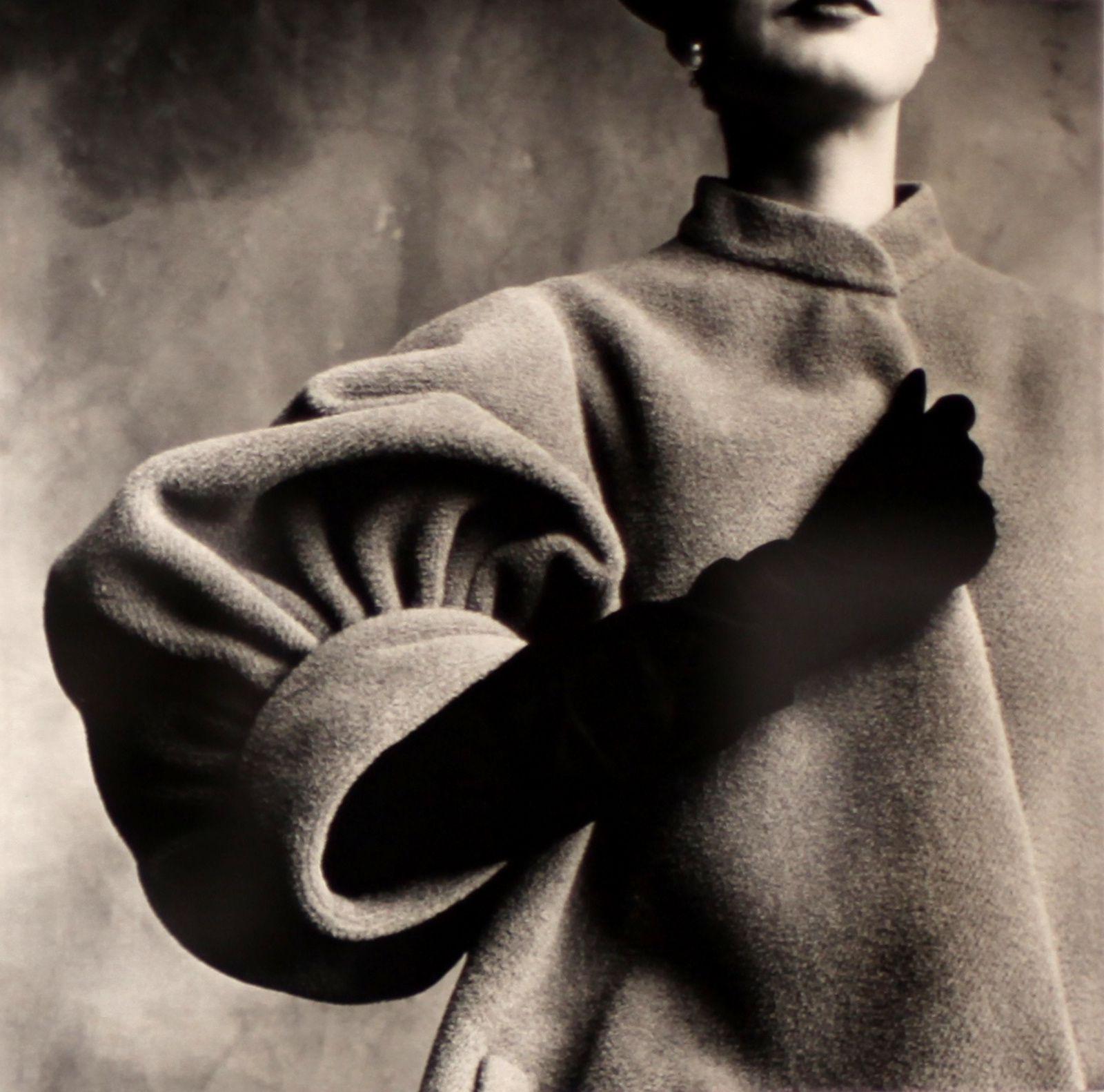 """""""Balenciaga Sleeve, Paris"""", 1950 de Irving PENN"""