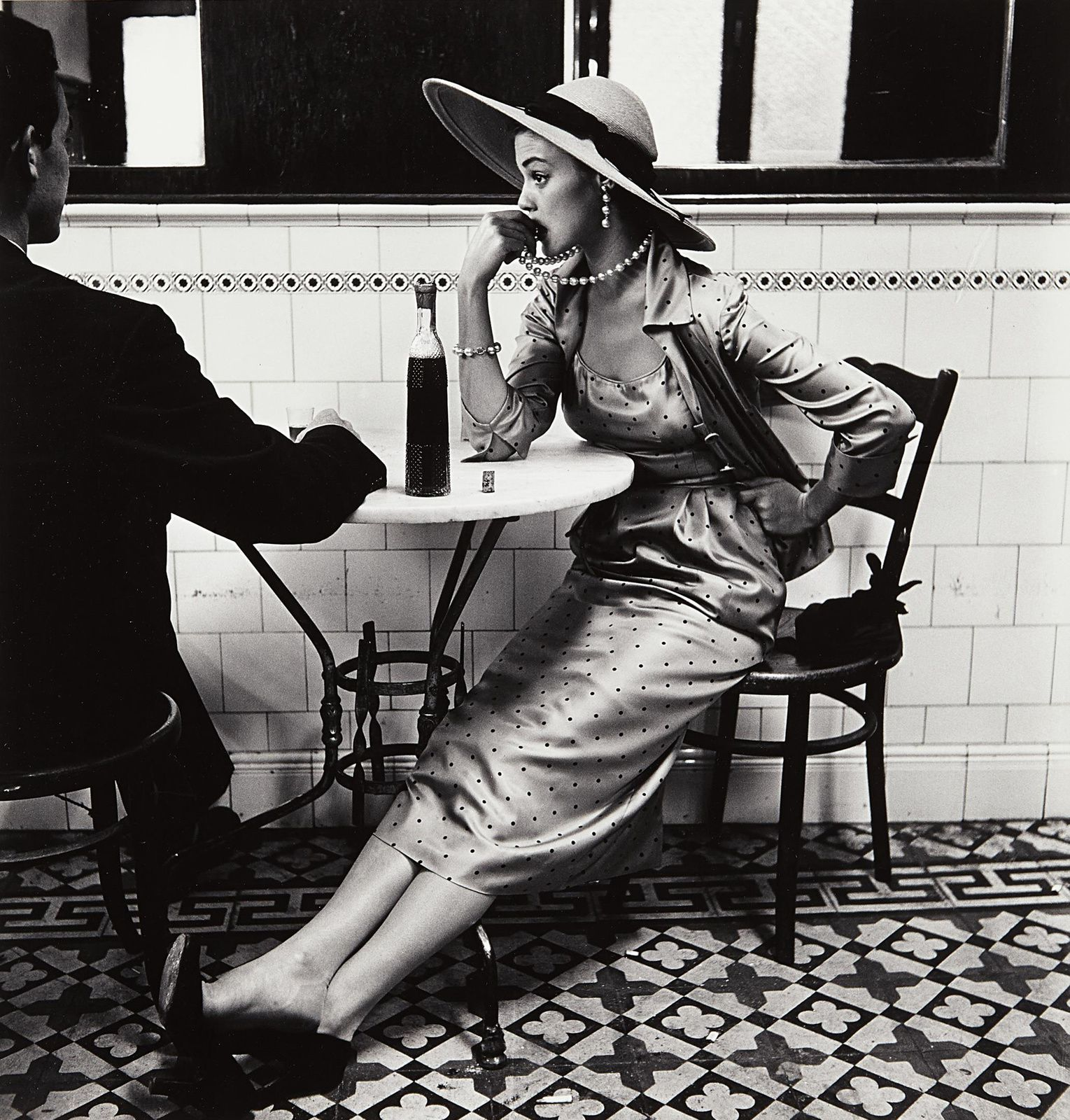 """Cafe in Lima"", 1948 d'Irving PENN - Courtesy The Metropolitan Museum of Art"