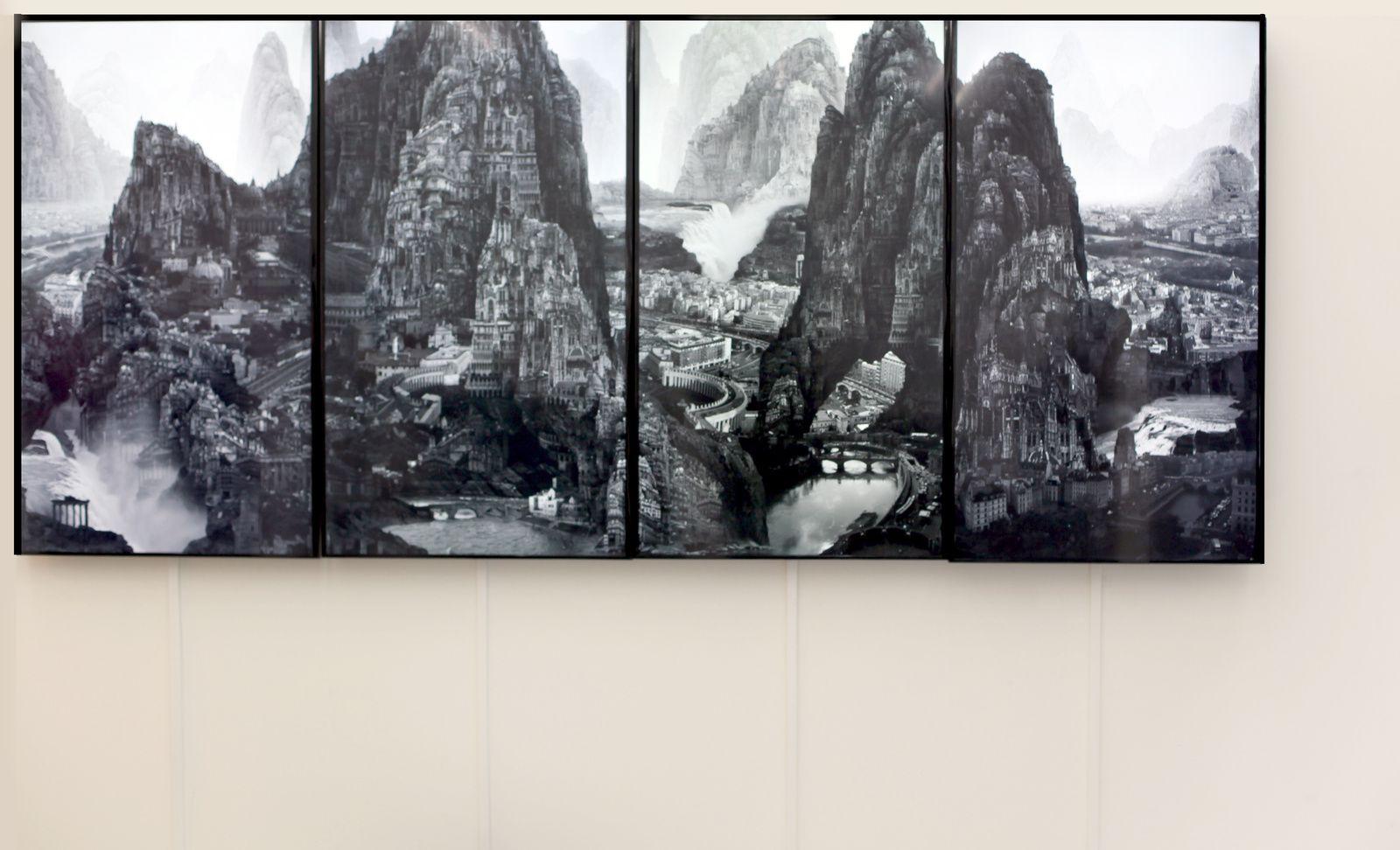 "Installation Vidéo ""Journey to the Far"", 2016 de Yang Yongliang - Courtesy Galerie PARIS-BEIJING © Photo Éric Simon"