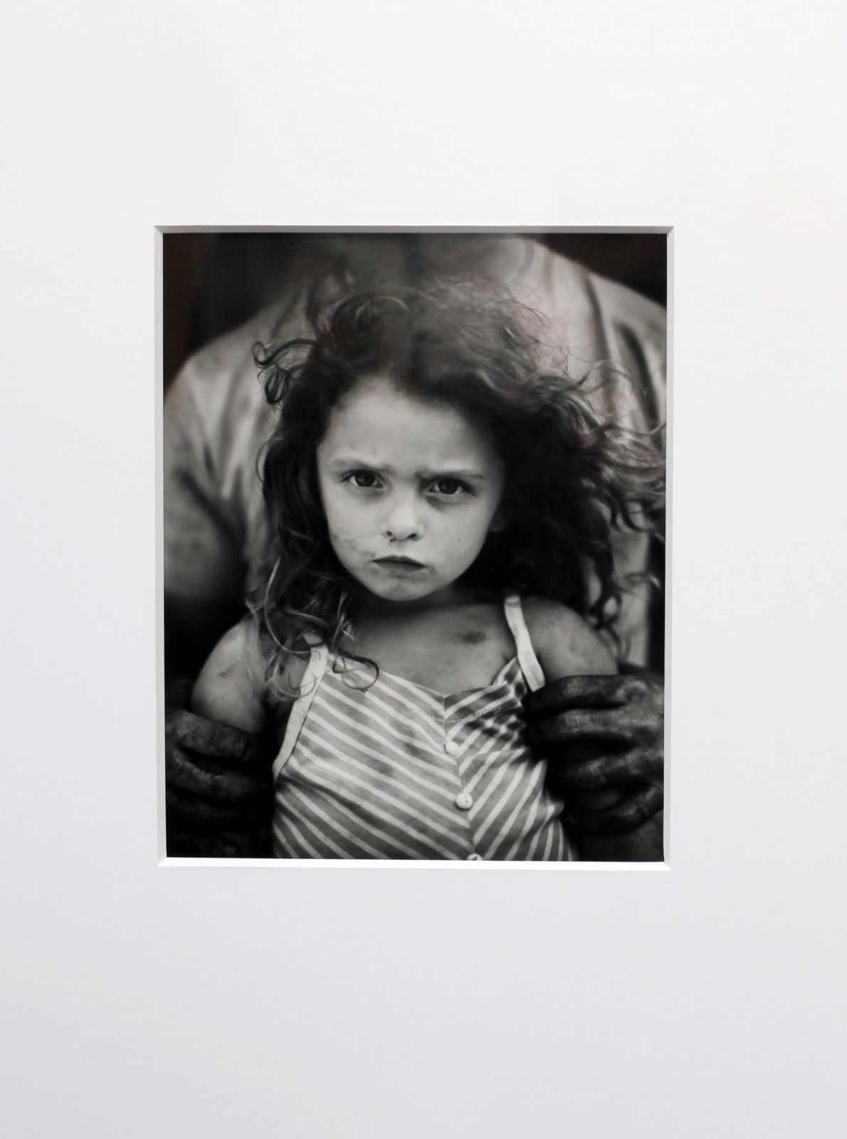 """ Holding Virginia"", 1989 de Sally MANN - Courtesy Stephen Dalter Gallery © Photo Éric Simon"