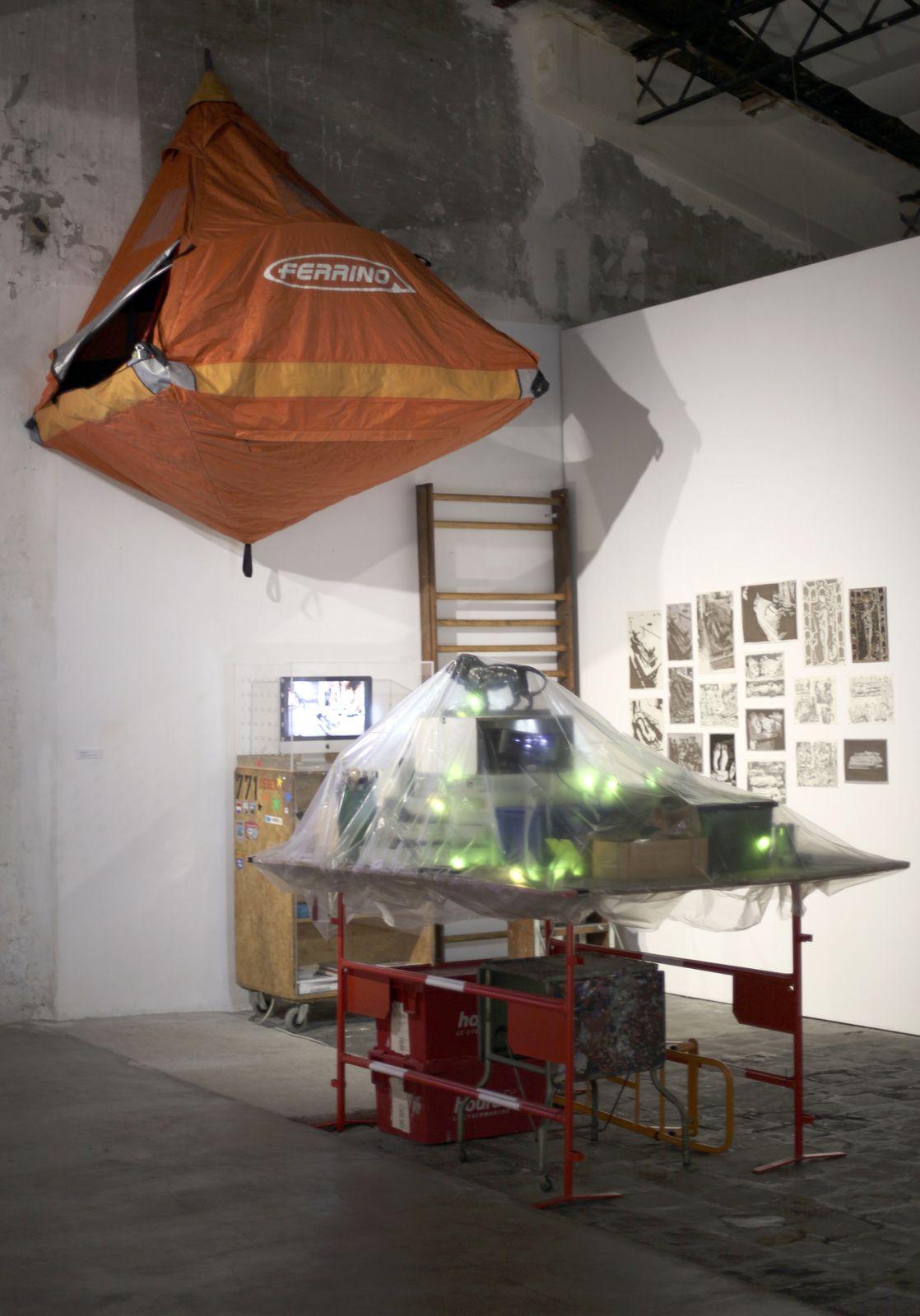 """Installation """"Gisants et Transis"""", atelier de Campagne, 2017 de François BOISROND - Courtesy François Boisrond   © Photo Éric Simon"""