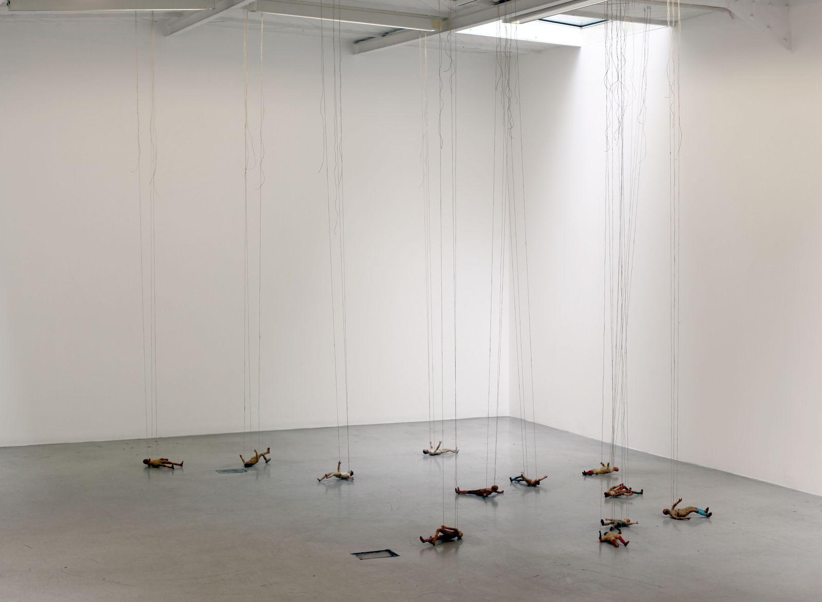 """""""Senza titolo (Personnaggi)"""", 2018 de Latifa ECHAKHCH - Courtesy de l'artiste et Galerie Kamel Mennour © Photo Éric Simon"""