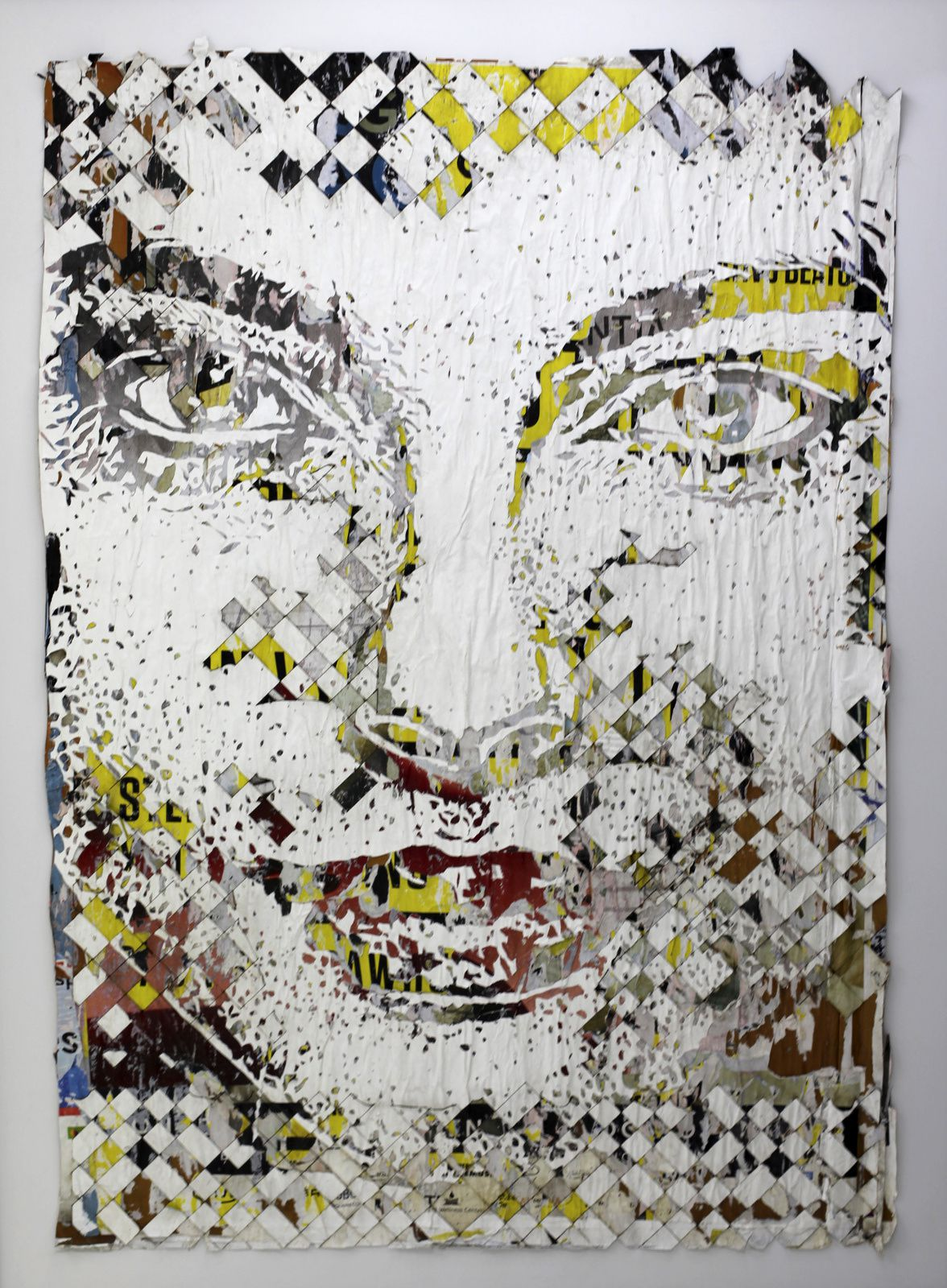 """Laminous #1"", 2018  de VHILS - Courtesy de l'artiste et la galerie Magda Danysz © Photo Éric Simon"