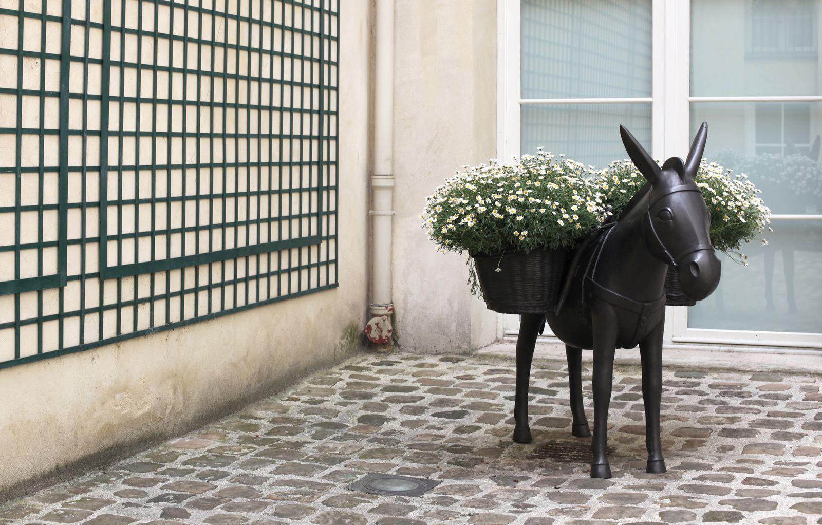 """""""Âne Planté"""", 1990 - 2002 de Françoic Xavier LALANNE - Courtesy Galerie Mitterrand © Photo Éric Simon"""