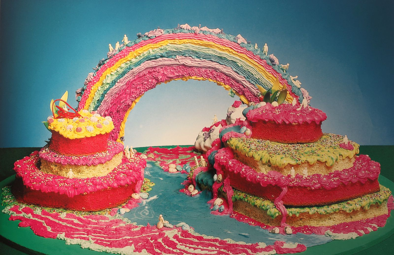 """Gâteau Arc-en-ciel"", 1974 de Dorothée SELZ - Courtesy Galerie Lara VINCY © Photo Éric Simon"