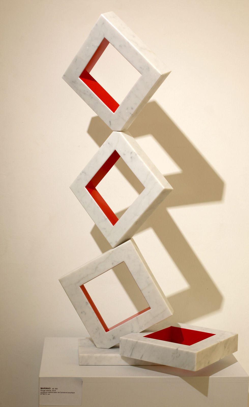 """Rouge Vertical"", 2018 de Jaildo MARINHO - Courtesy Galerie Denise René © Photo Éric Simon"