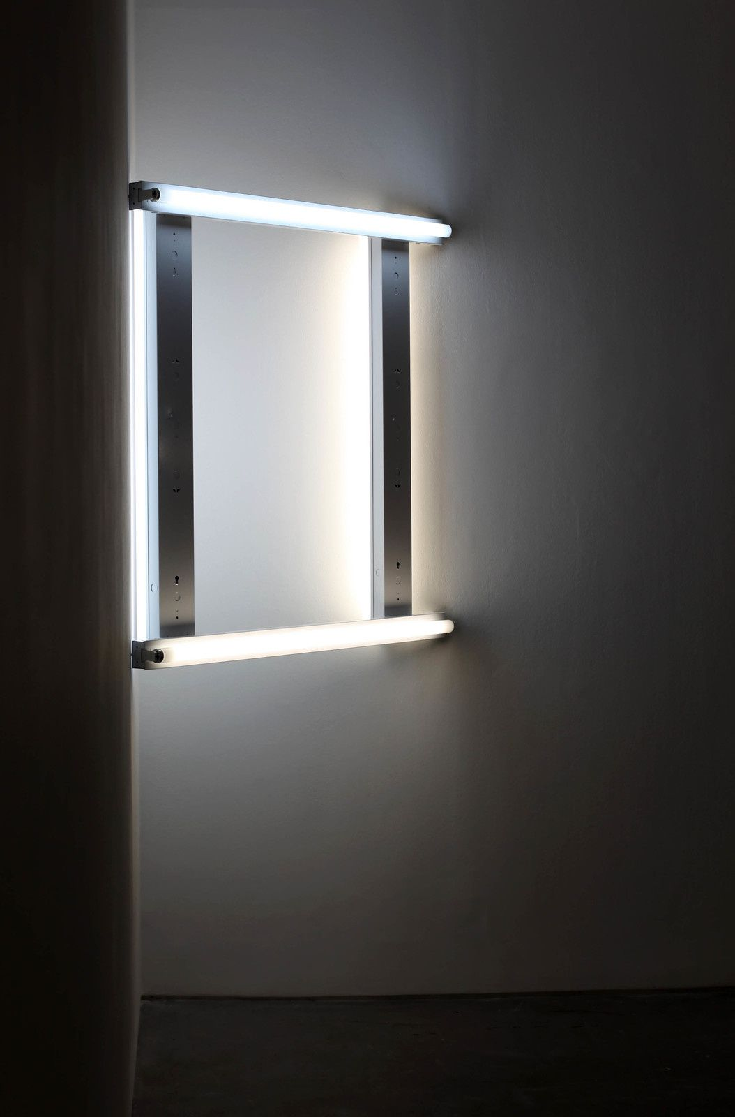 """Untitled"", 1970 de Dan FLAVIN - Courtesy Galerie David Zwirner Paris © Photo Éric Simon"