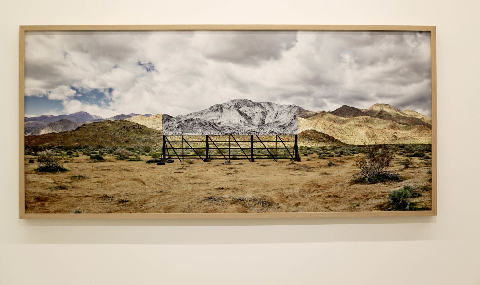 """Tehachapi, Mountain, Pentaptych, U.S.A."", 2019 de JR - Courtesy Galerie Perrotin © Photo Éric Simon"