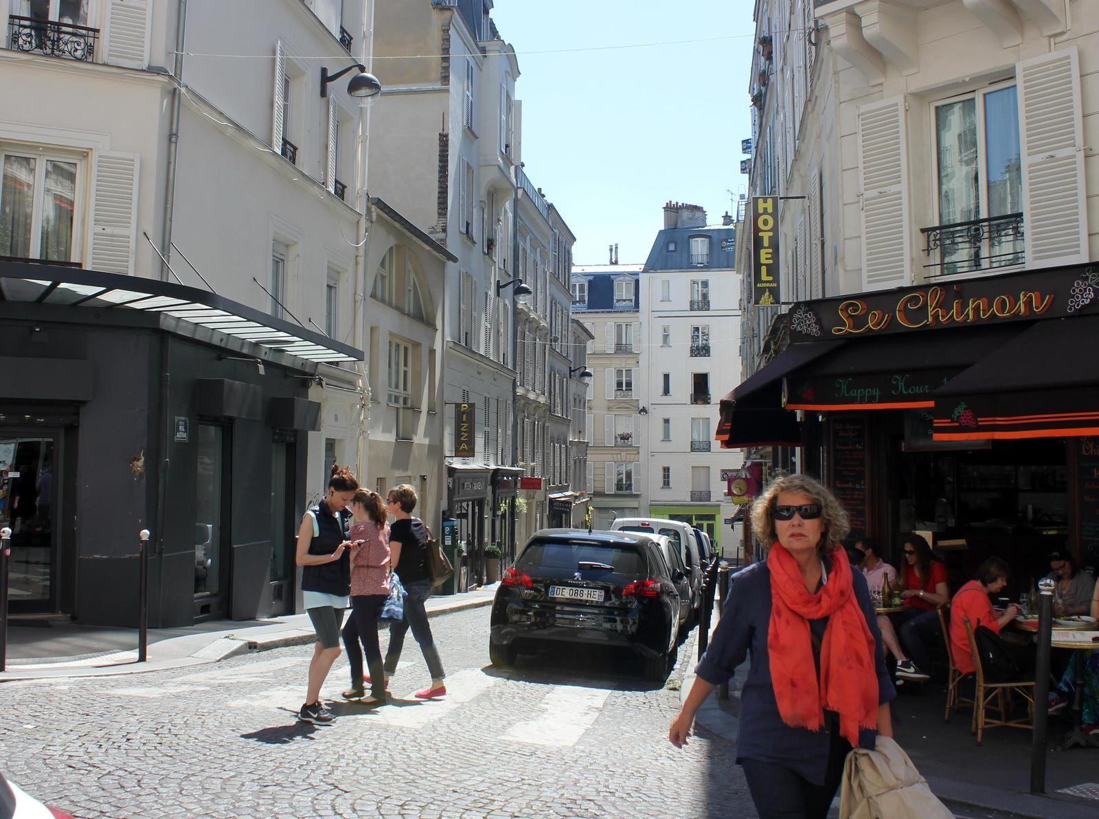 La rue Audran de la rue Véron aux Abbesses (1) et des Abbesses à la rue Véron (2)