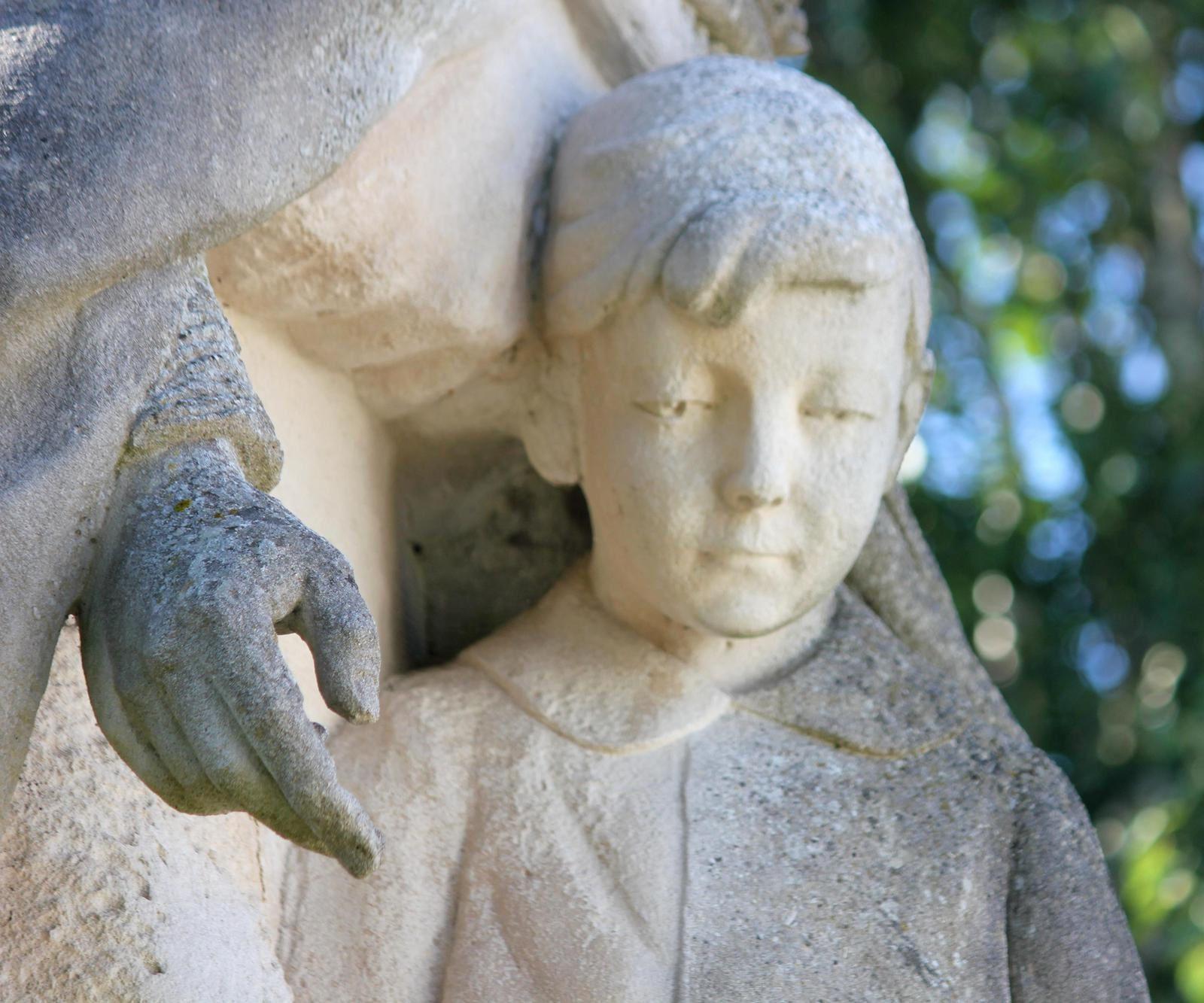 Dolus d'Oléron. Le monument aux morts.