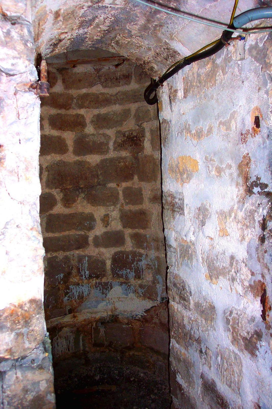 Photo du puits du 35 rue des Martyrs, envoyée par Jean-Pierre qui habite l'immeuble, ajoutée le 14 novembre 2014.