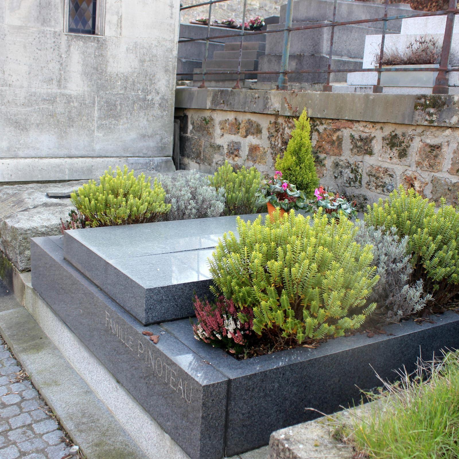 Tombe de Pinoteau (3ème division)