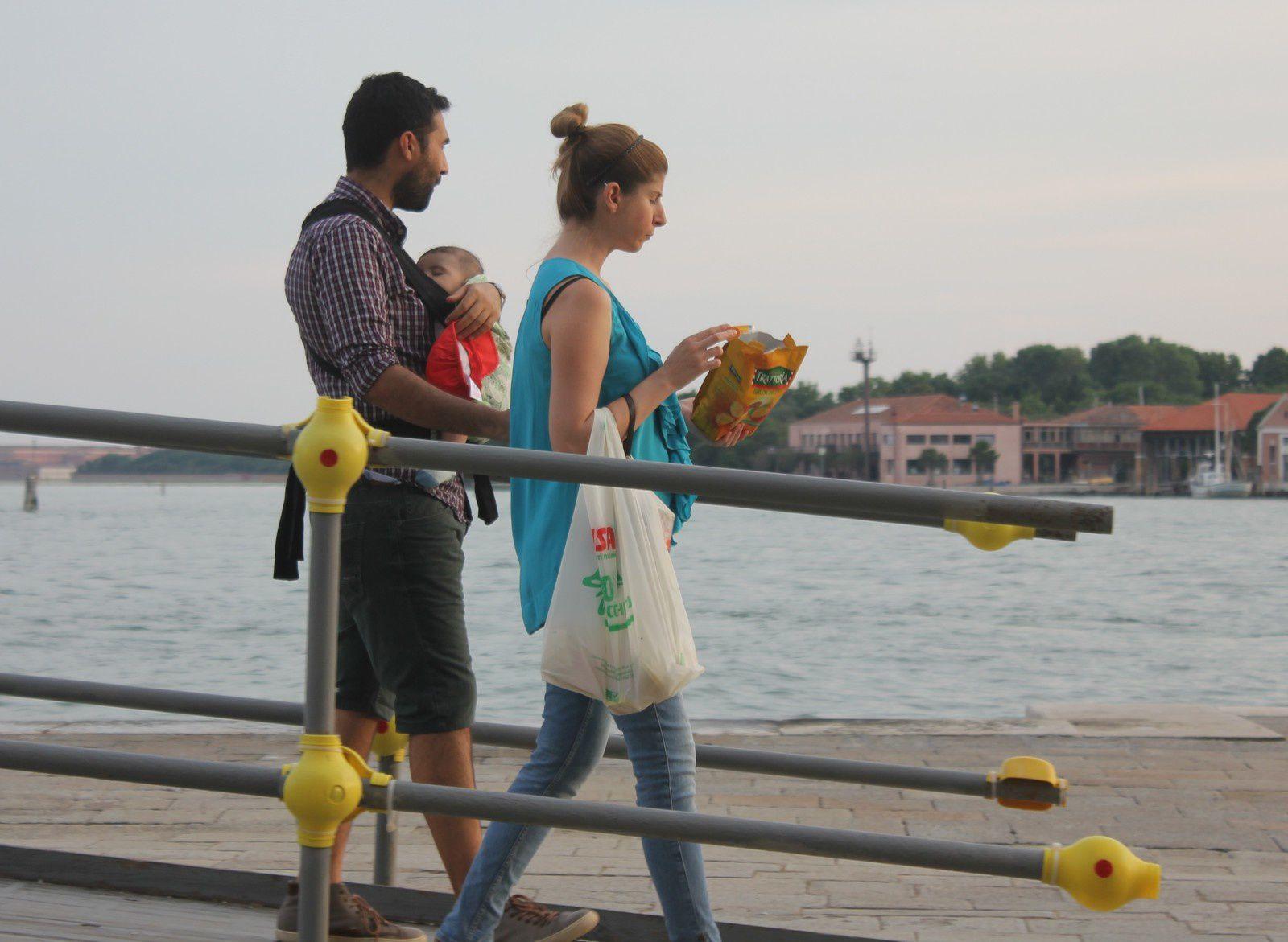 Venise. Passants. Photos