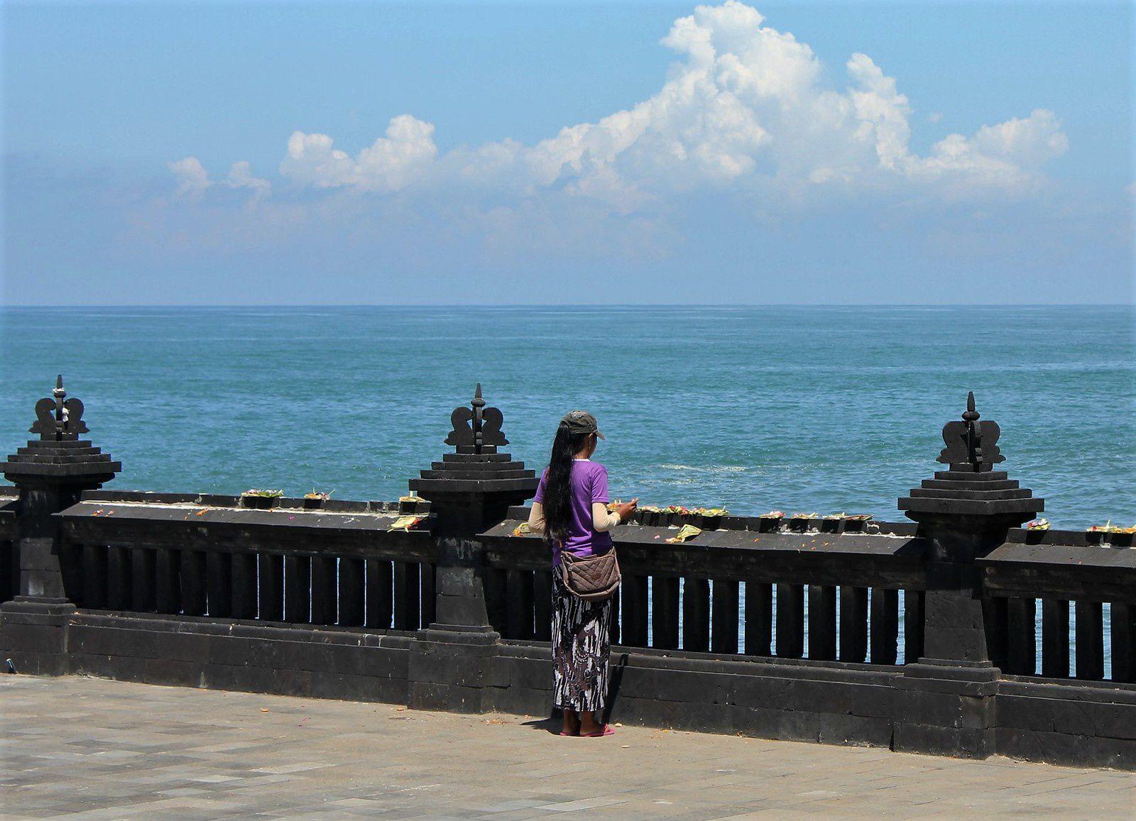 Bali. Le Temple Tanah Lot.