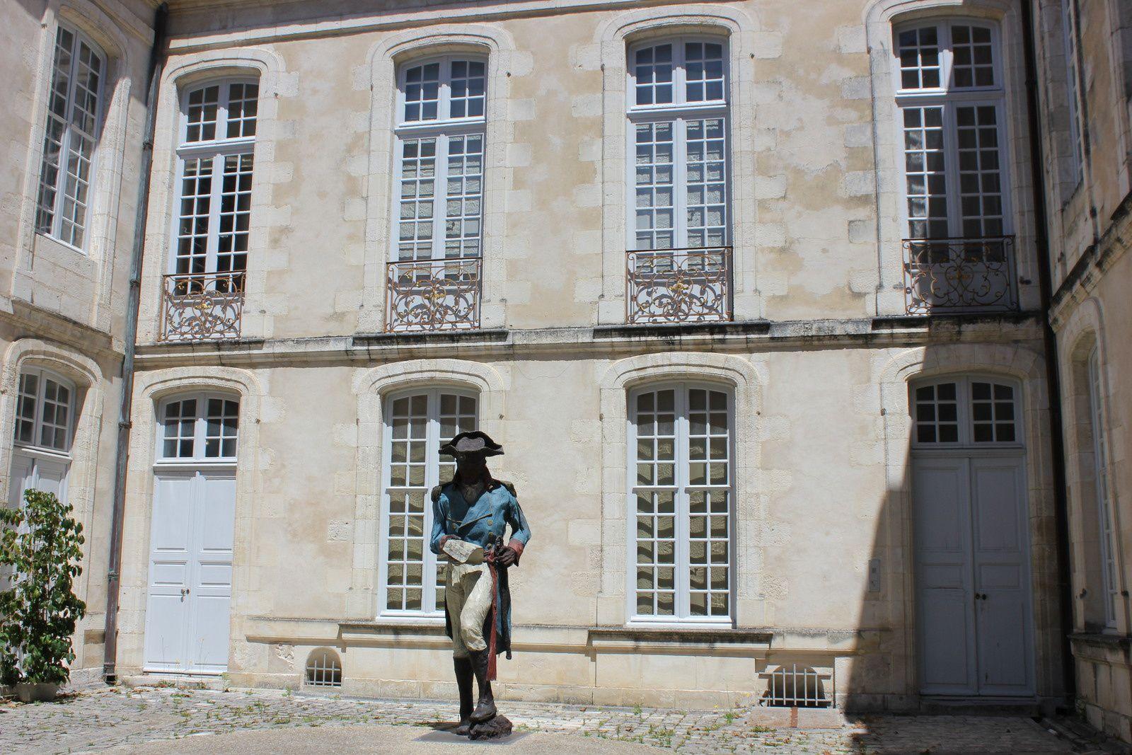 Toussaint Louverture par Ousmane Sow. La Rochelle. Hôtel Fleuriau.
