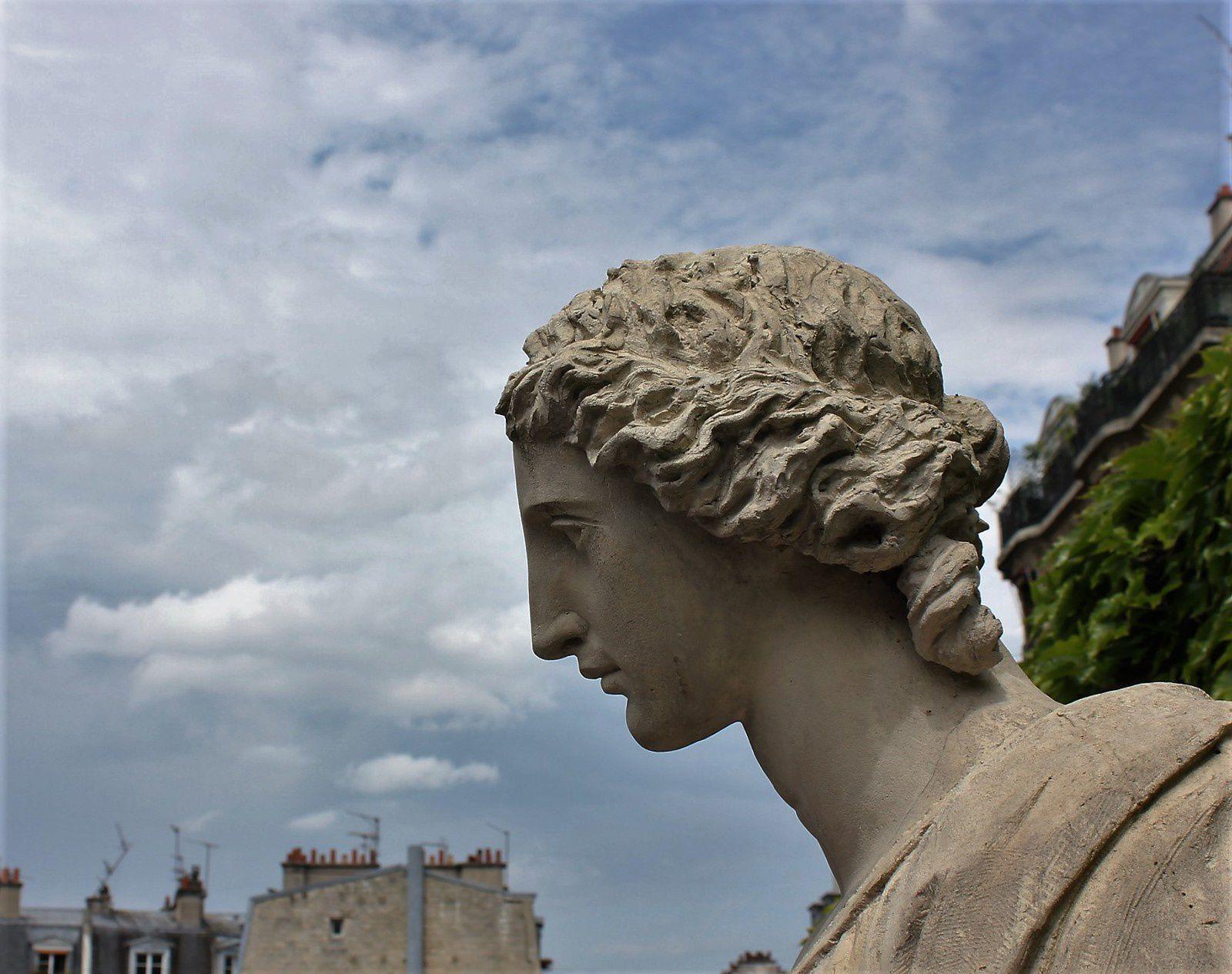 Tombe de Maurice Utrillo. Montmartre. Cimetière Saint-Vincent.