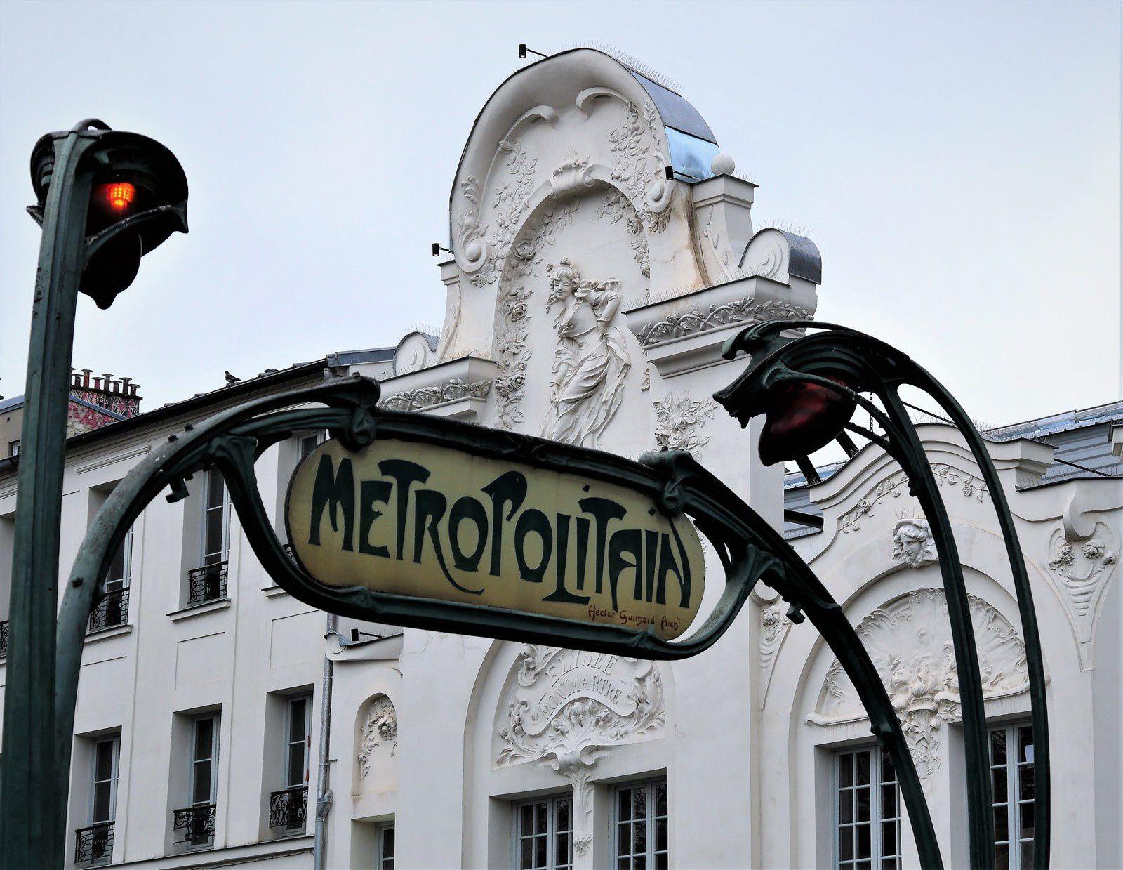 Métro Anvers.
