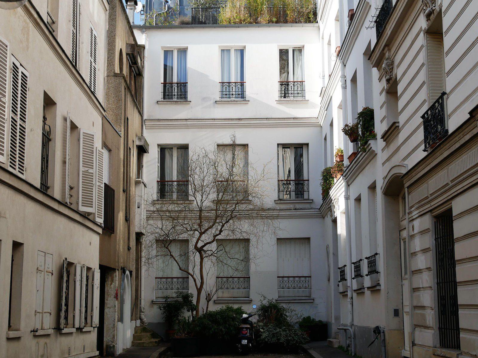 Rue Cauchois.  Montmartre.