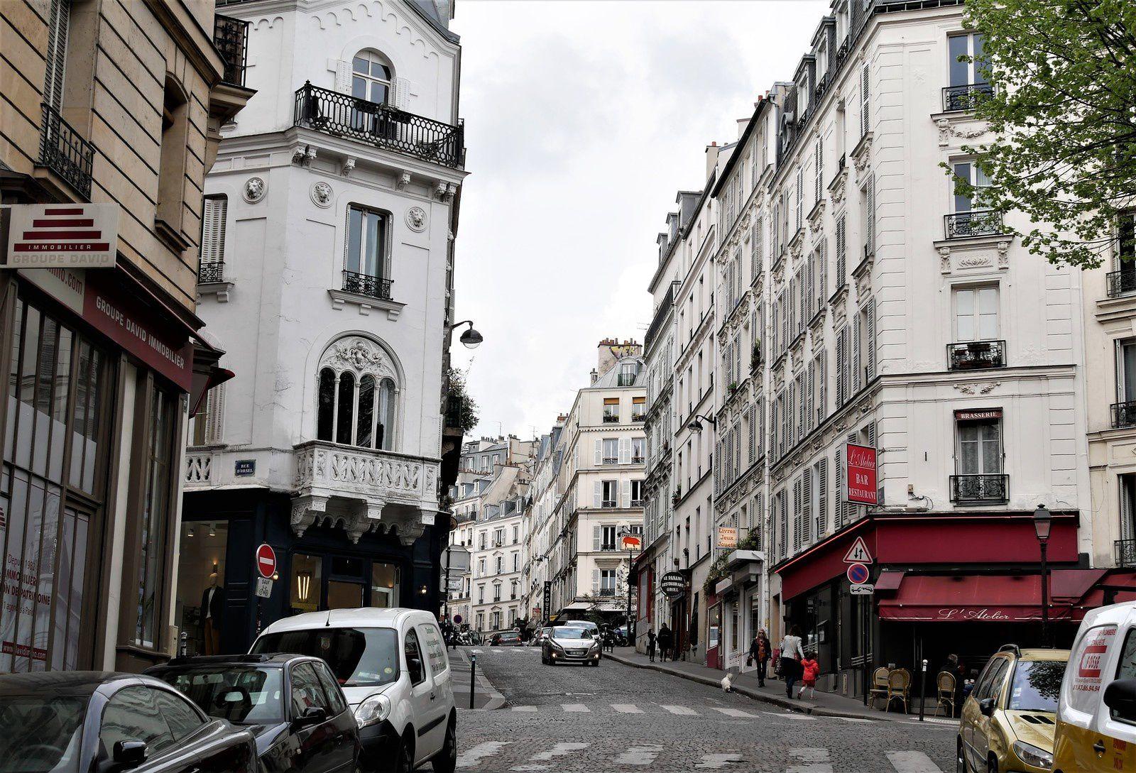 Rue Dancourt. Montmartre.
