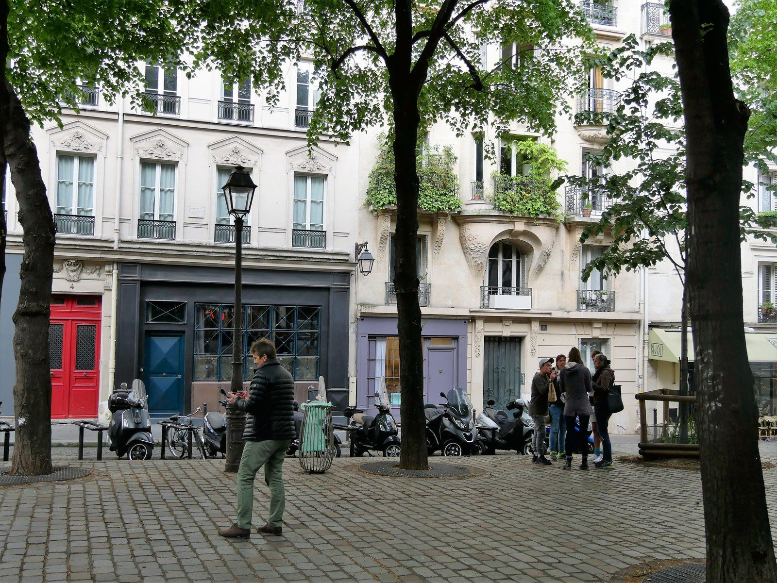 Place Charles Dullin. Montmartre.