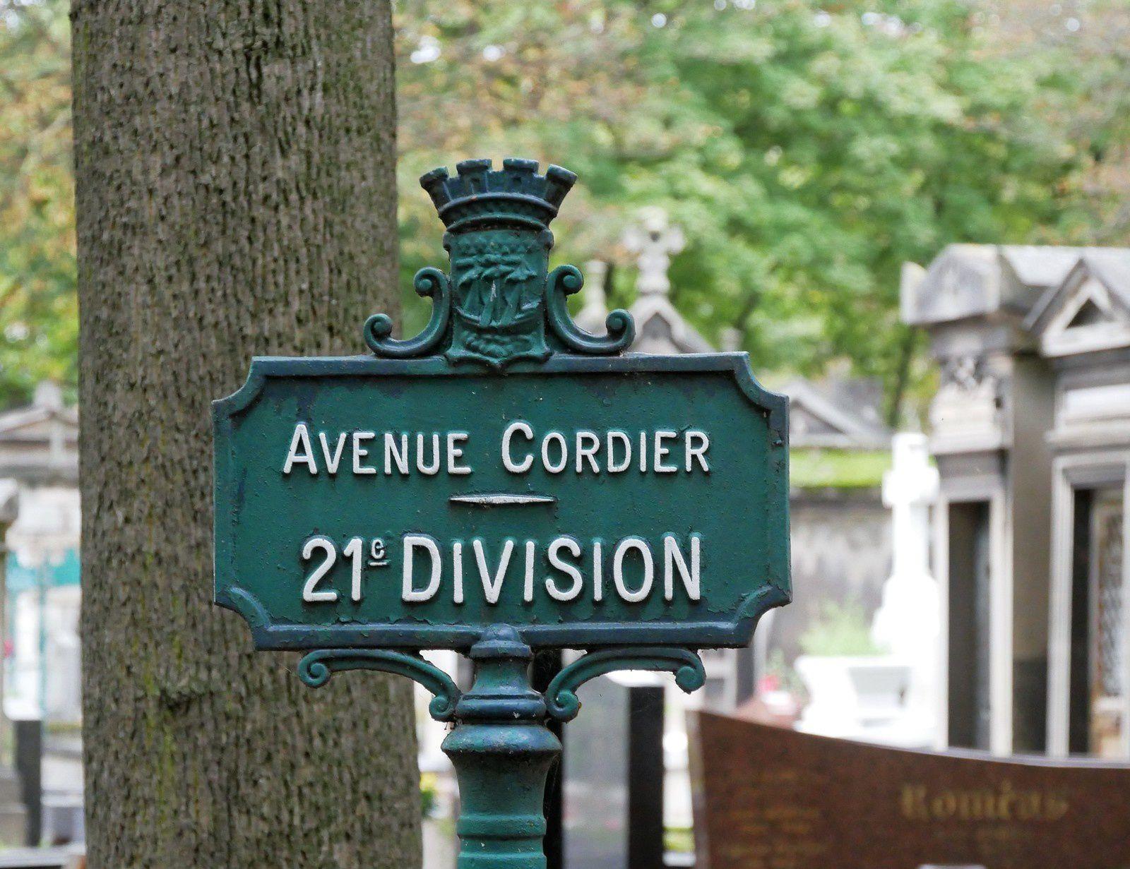 Tombe de Jeanne Moreau. Cimetière Montmartre. (mise à jour 30 novembre)