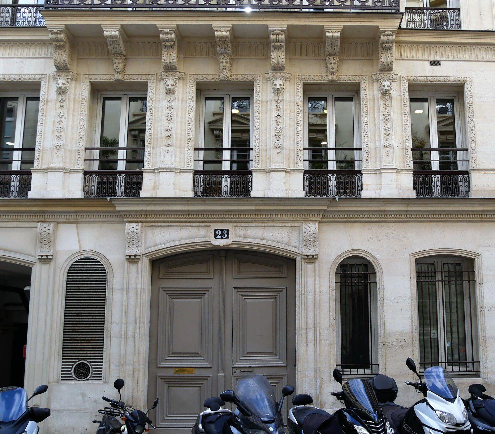 La rue d'Aumale. Dubufe. Wagner. Françoise Hardy.