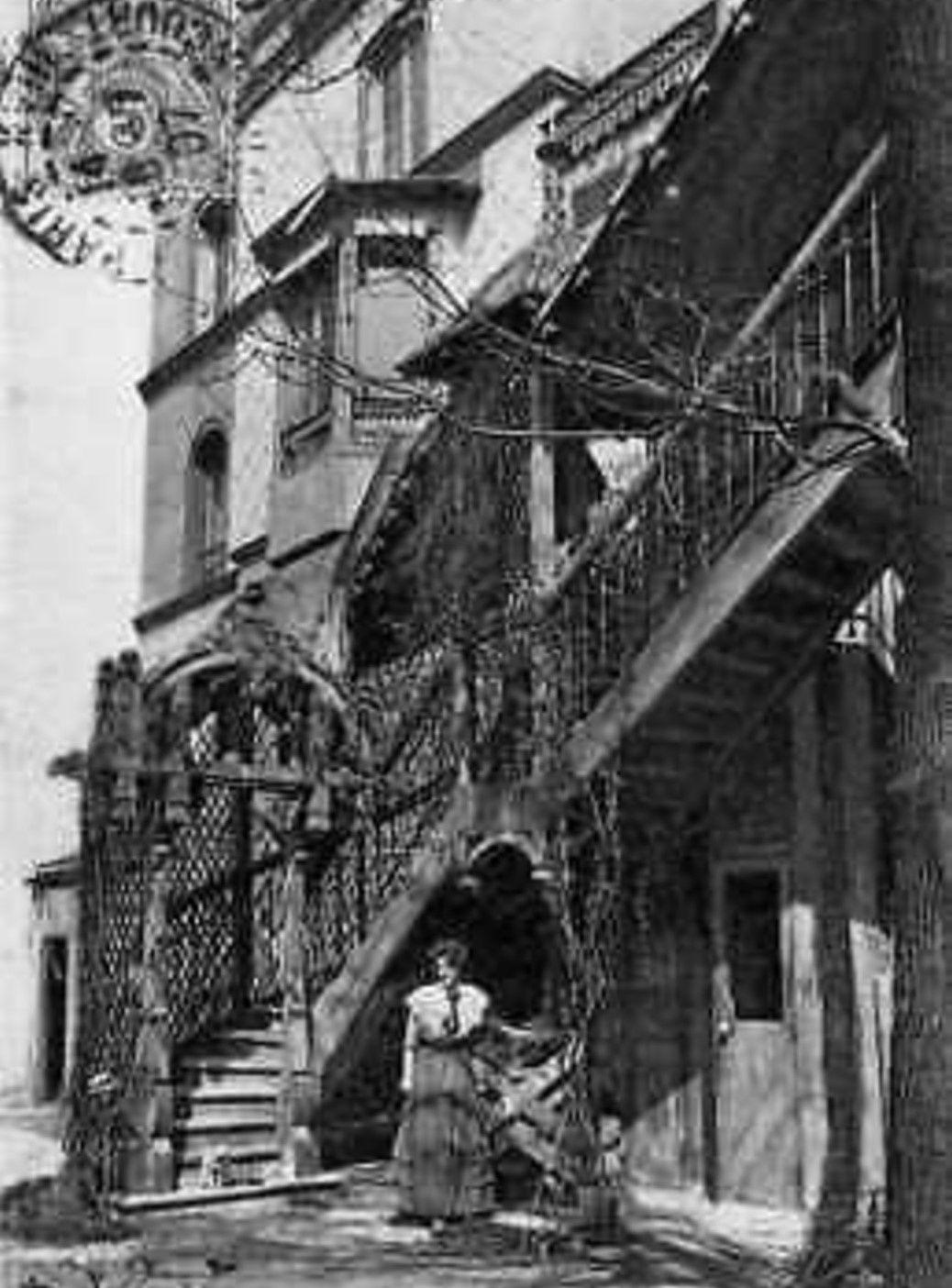 Louis Icart. Maison Neumont. Dessins de la Parisienne. Place du Calvaire.
