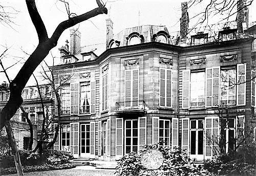 Hôtel Bochart de Saron rue de l'Université (aujourd'hui sège des éditions Gallimard)
