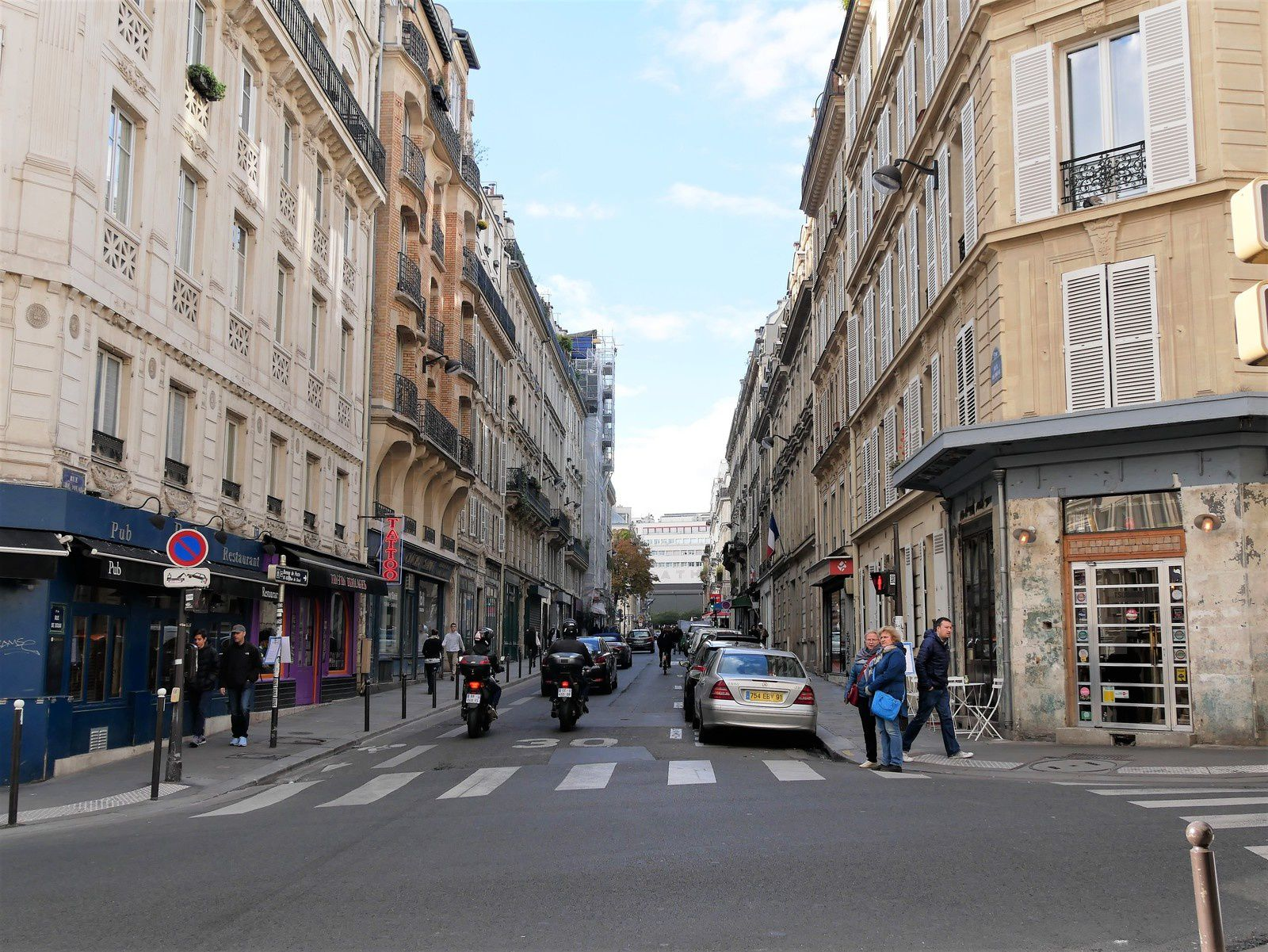 Rue de Douai. Artistes et personnages. Tourgueniev, About, Apollinaire, Duvivier, Django Reinhardt.....